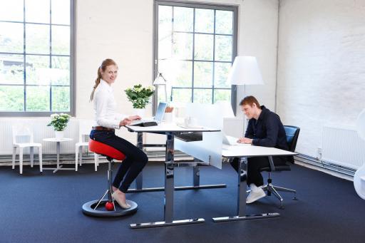 Back App Ergonomic Chair vs traditional sitting