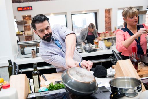 Andres Guillama on Food Network Star Season 9