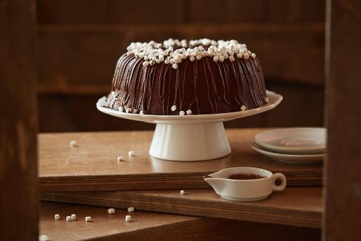 Hot Chocolate Pound Cake