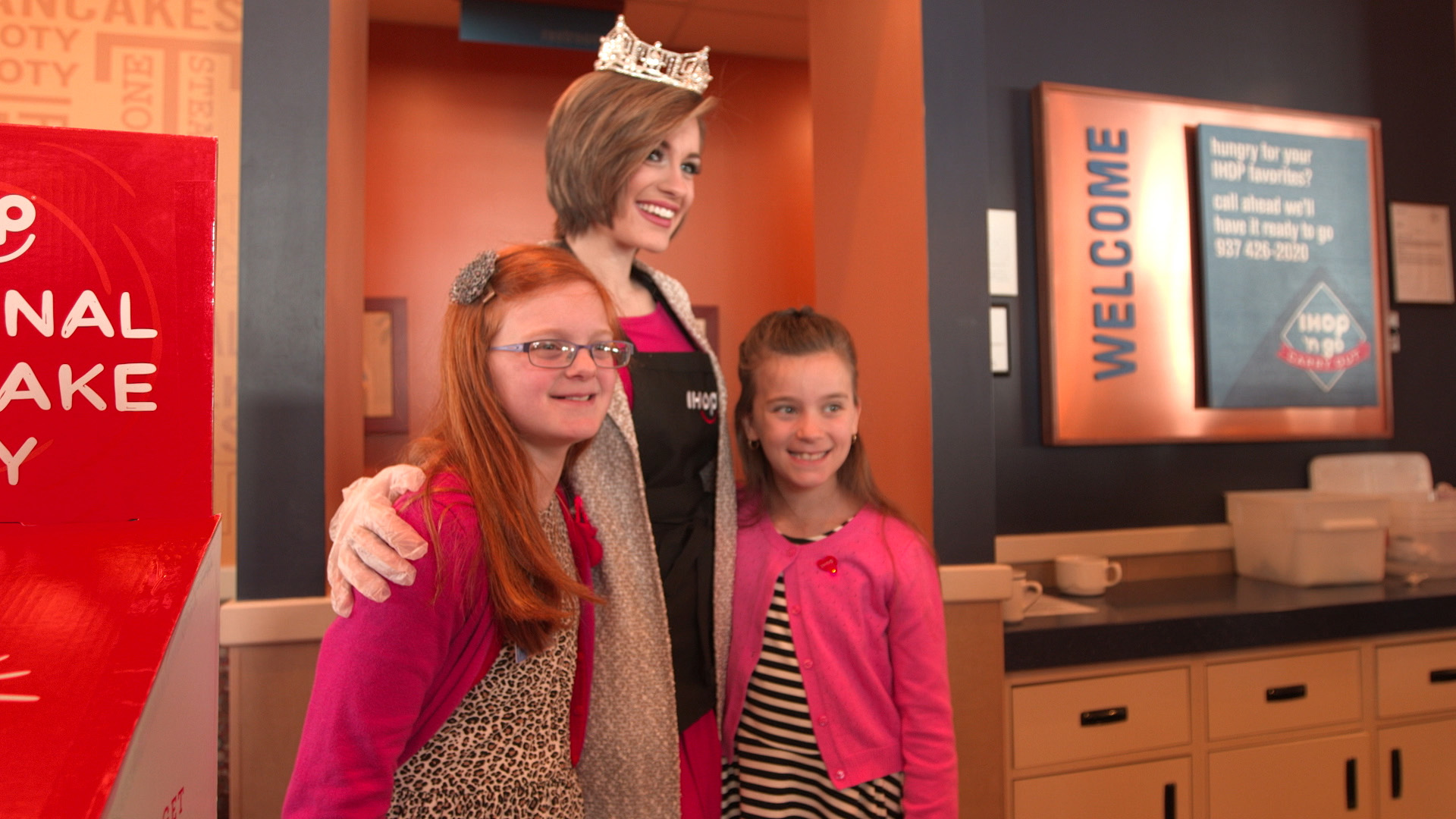 Miss America 2016 spends time with Miracle Children from Dayton Children's Hospital in Support of IHOP's National Pancake Day