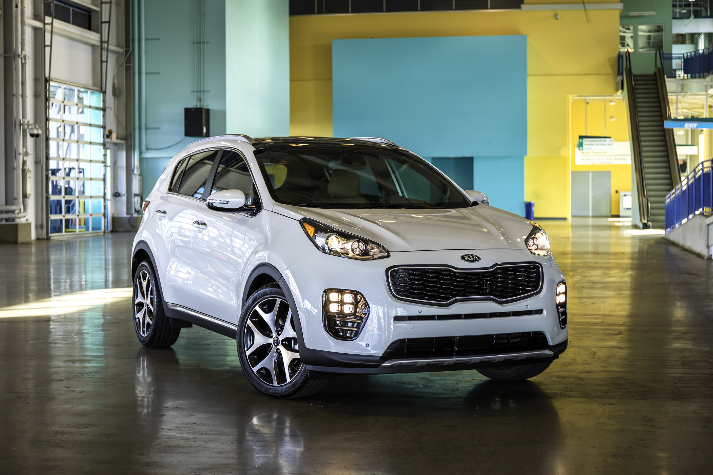 The all-new 2017 Kia Sportage features cutting-edge design, engaging driving dynamics and intelligent packaging.