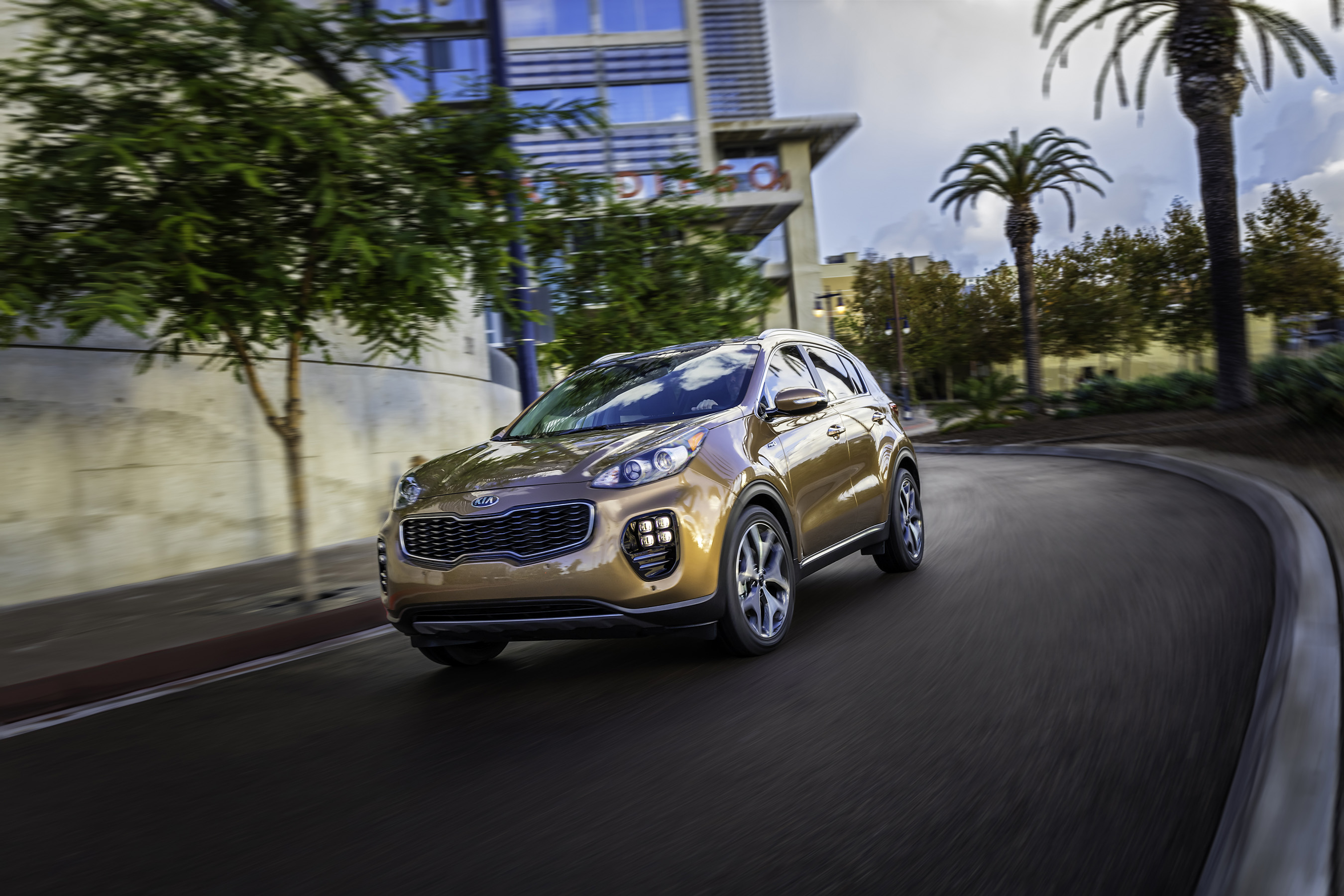 Kia unveils all-new 2017 Sportage at Los Angeles Auto Show.