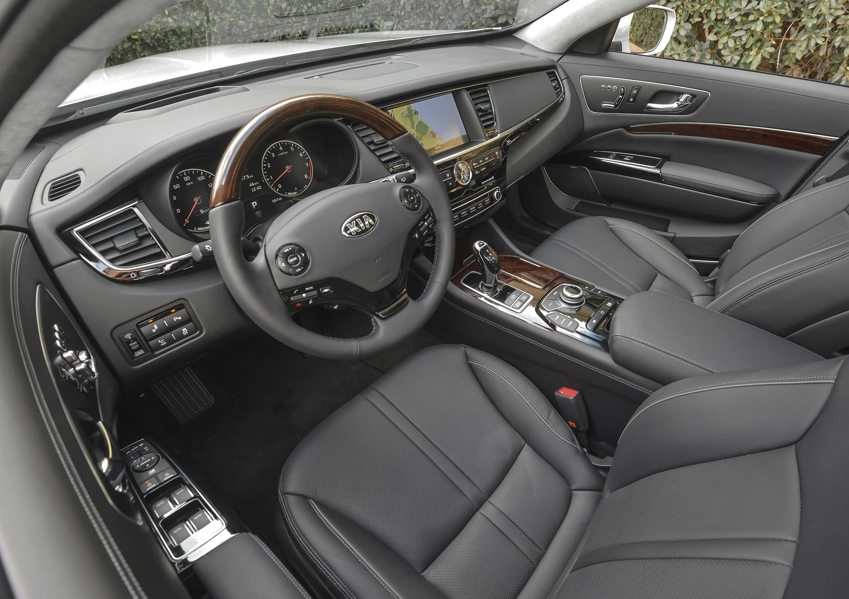 2016 Kia K900 Luxury Sedan - interior