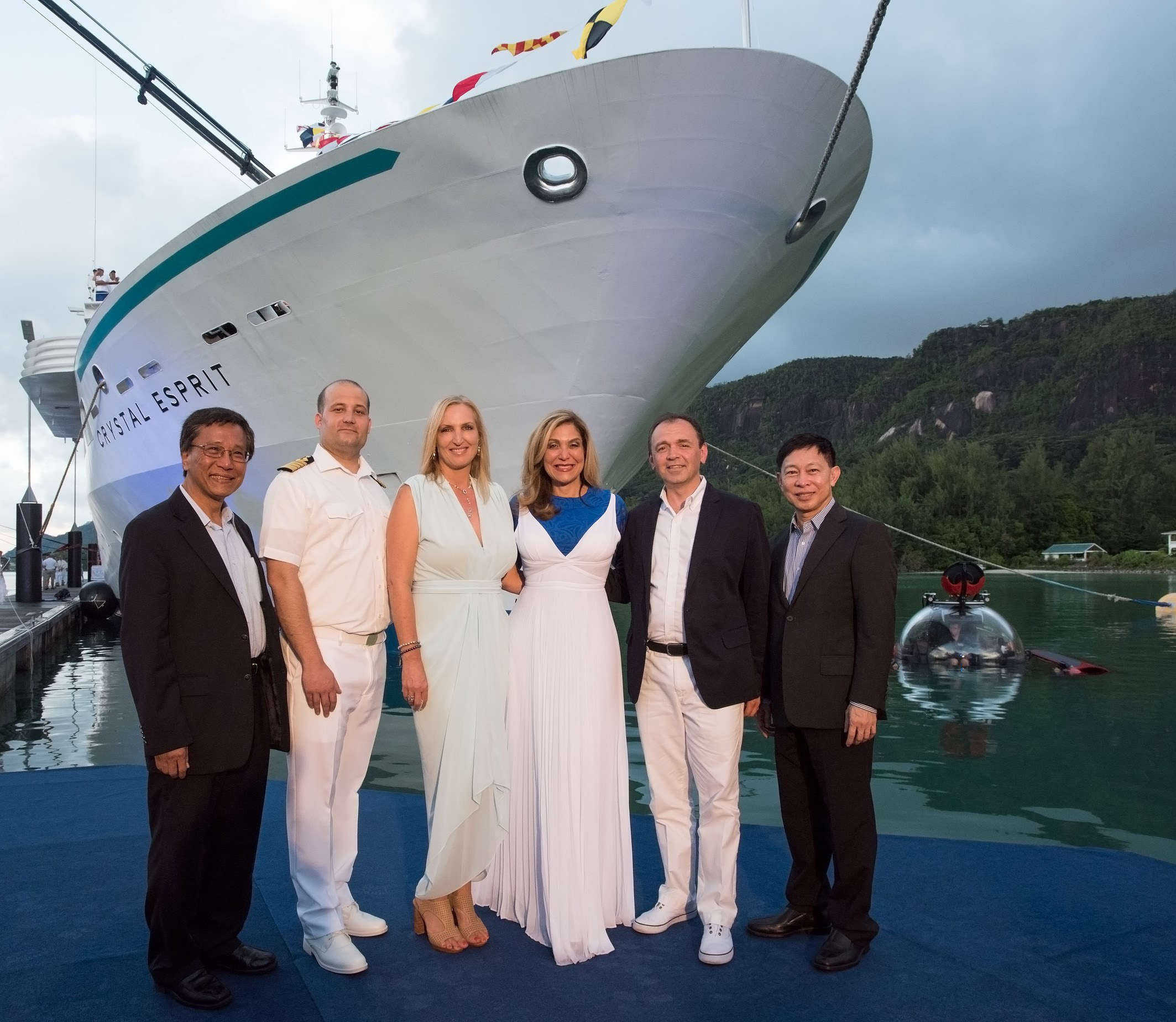 Left to Right Crystal Chairman, Tan Sri Lim Kok Thay, Crystal Esprit Captain, Nenad Willheim, Crystal Esprit Godmother, Lady Gaenor Anne Meakes; Crystal President & CEO, Edie Rodriguez; Crystal Cruises COO Thomas Mazloum; Special Advisor, Colin Au.