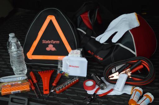 Road emergency kit