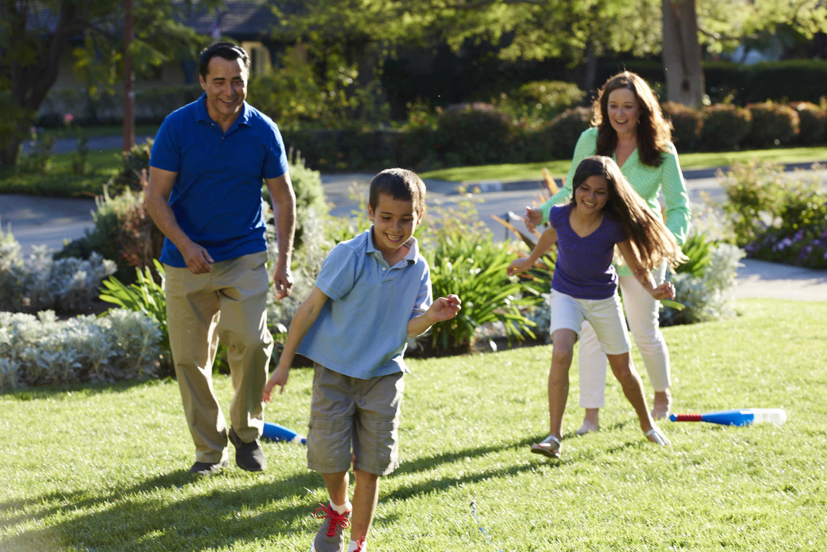 TruGreen Helps America LiveLifeOutside with Tips and Ideas for