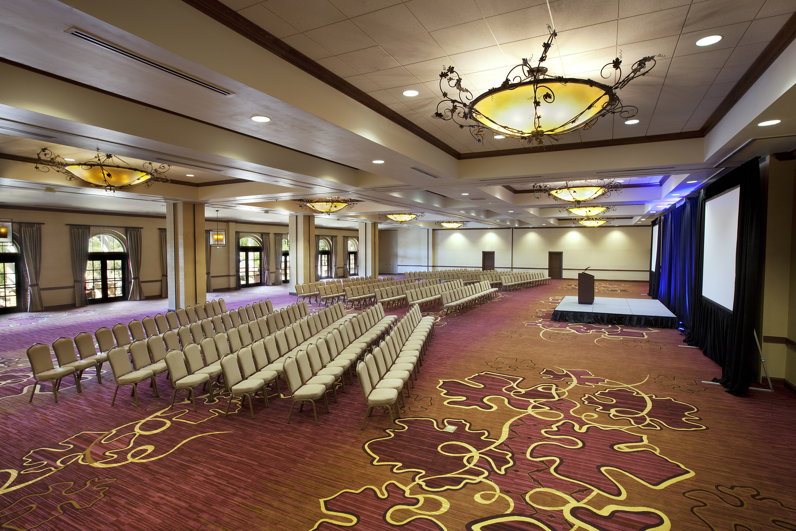 With more than 50,000 square feet of indoor and outdoor meeting space, The Meritage Resort can host events from 10 to more than 1,000.
