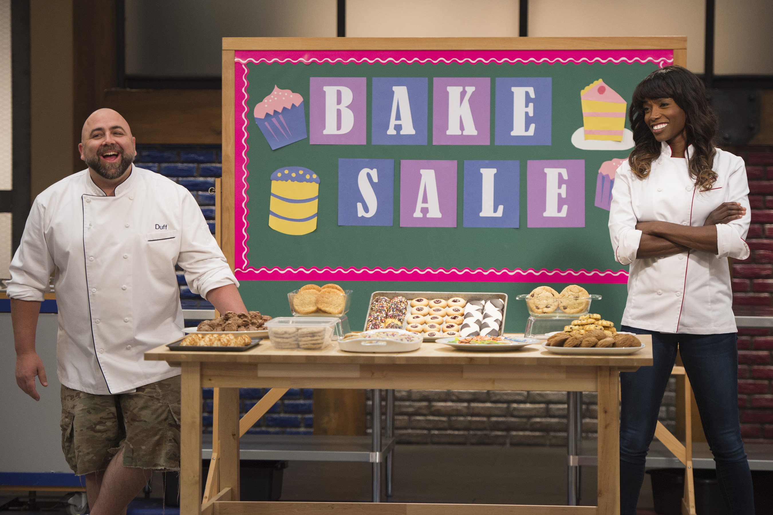 Hosts Duff Goldman and Lorraine Pascale on Food Network's Worst Bakers in America
