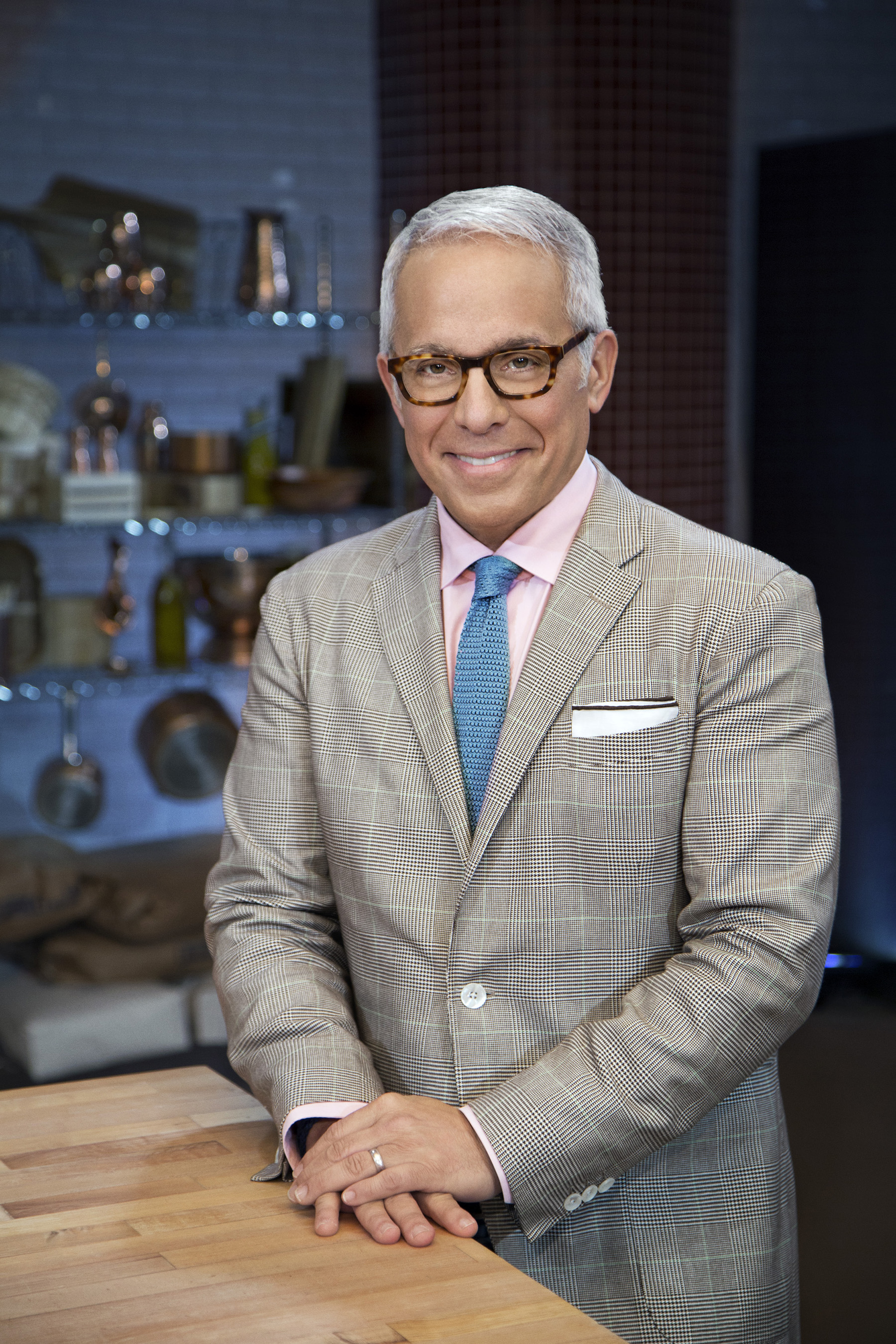 Host Geoffrey Zakarian on Food Network's Cooks vs. Cons