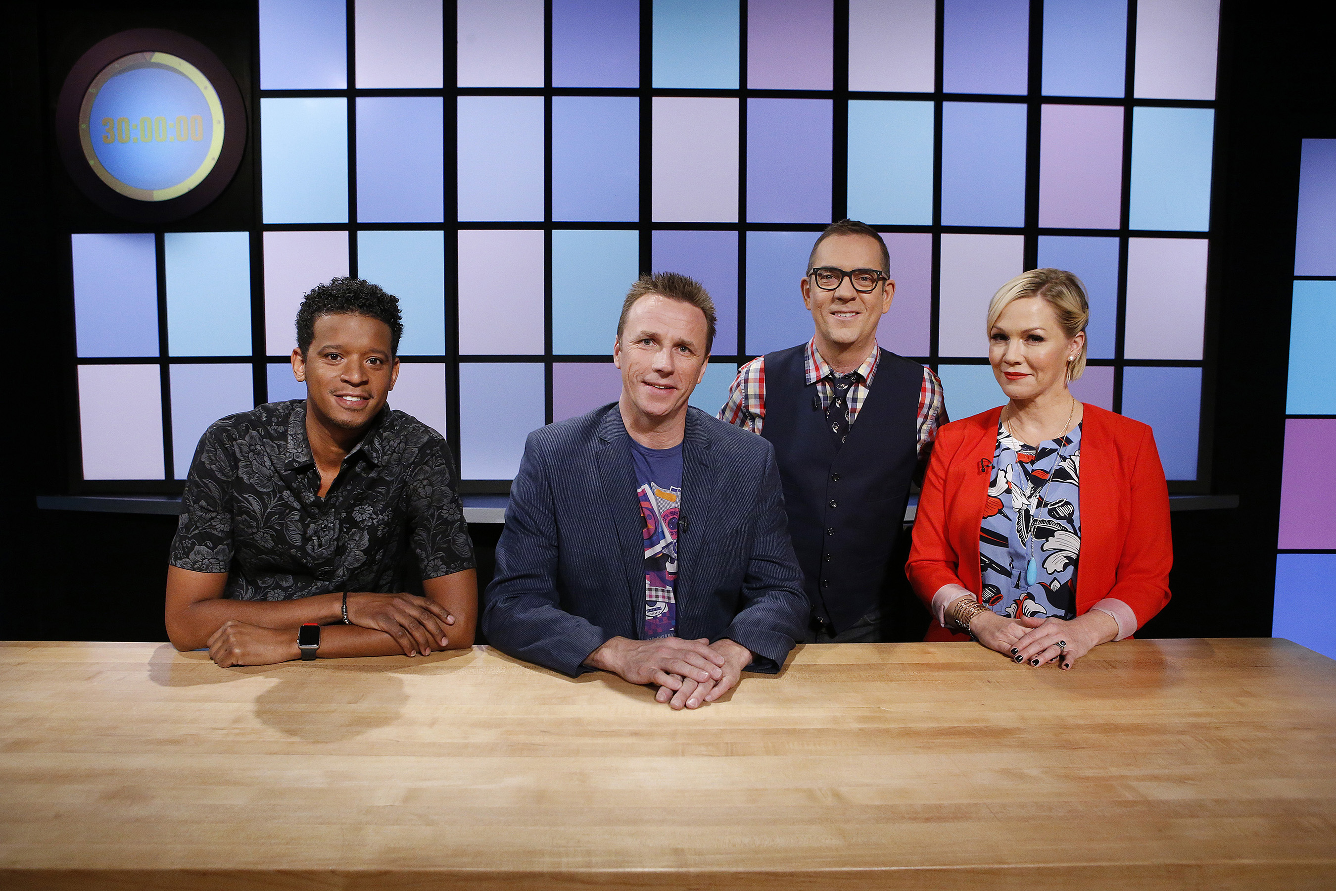 From left, judges Roble Ali, Marc Murphy and Jennie Garth pose with host Ted Allen as seen on Food Network's Chopped Junior