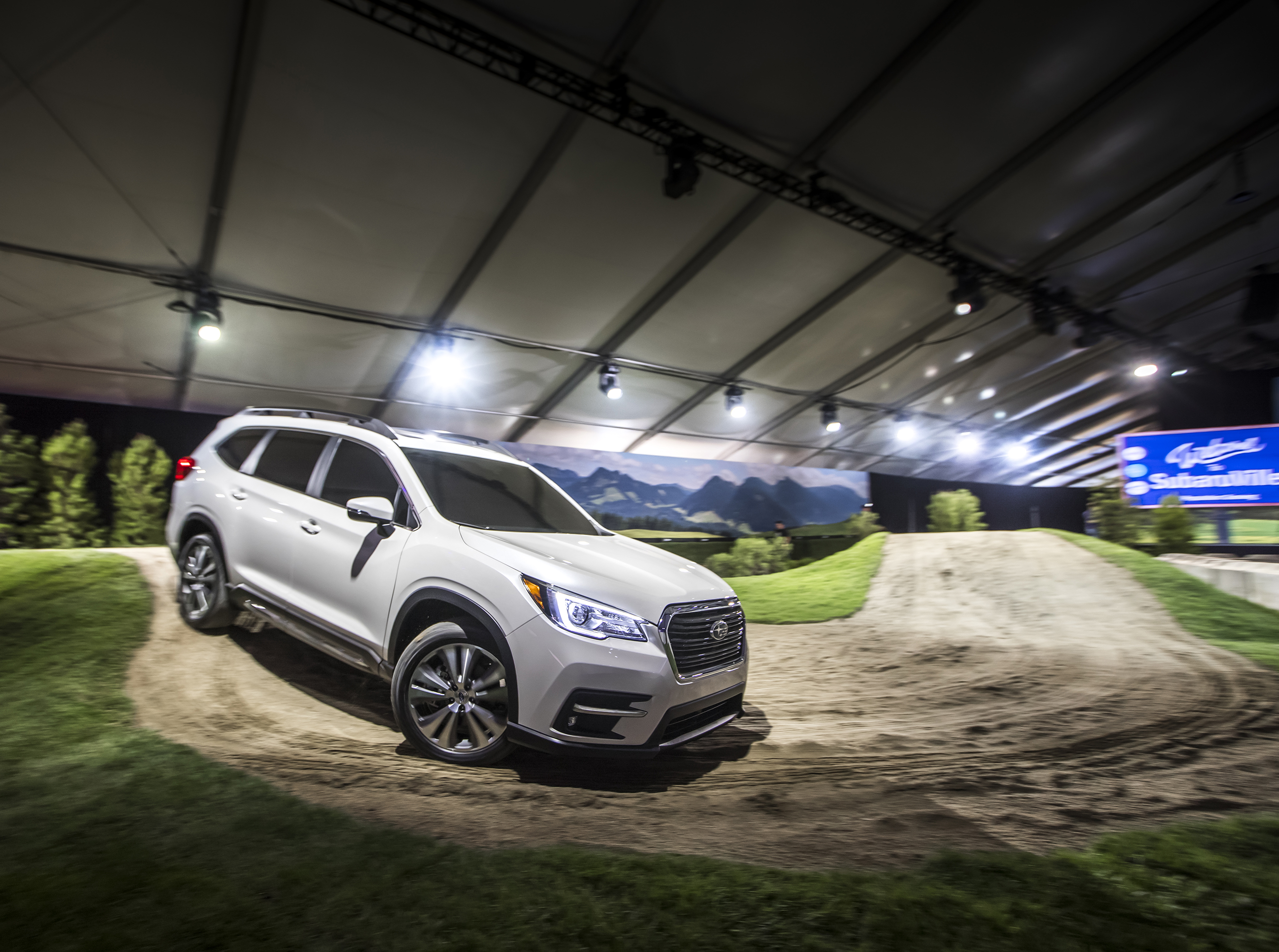 all new 3 row subaru ascent makes world debut at los angeles auto