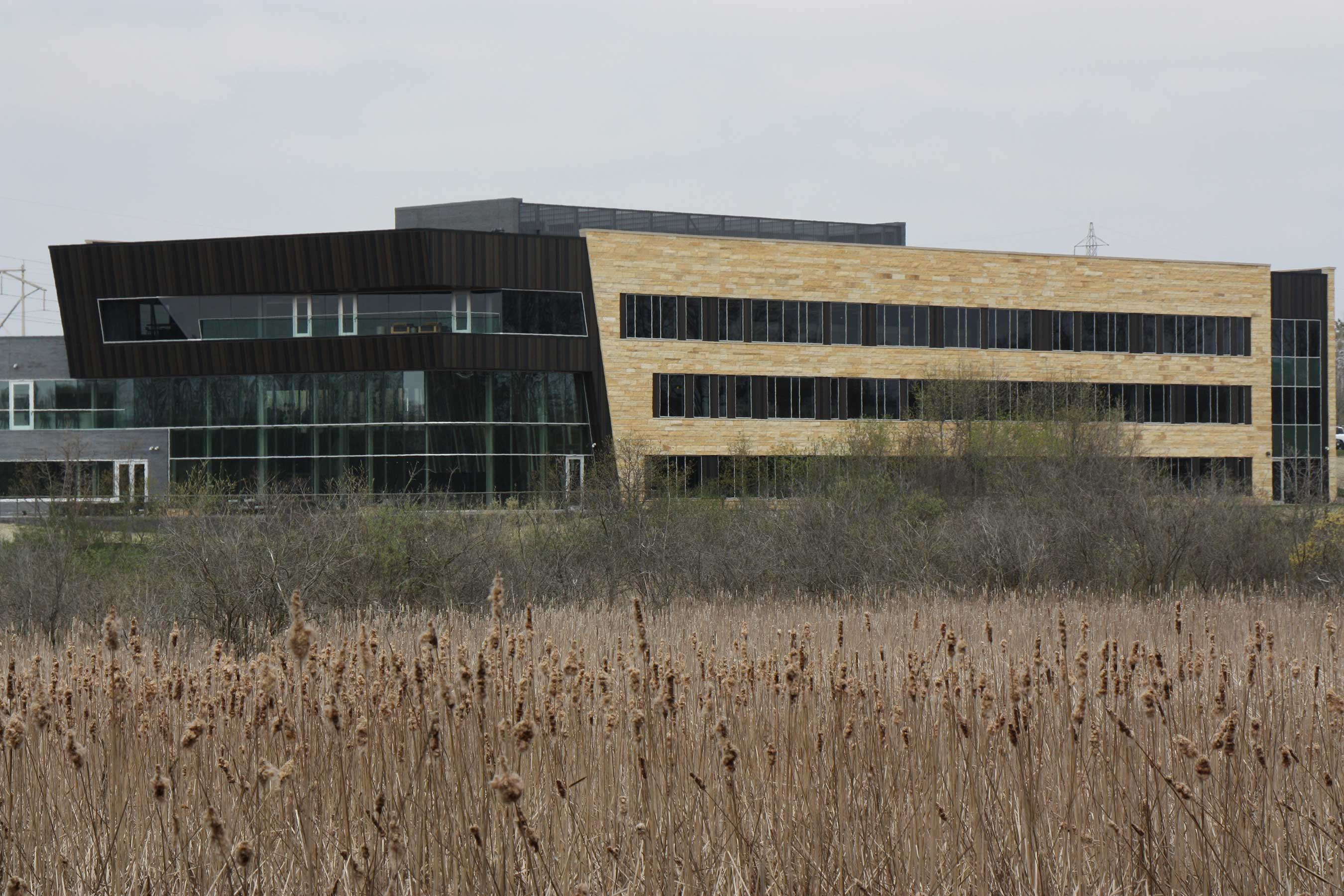 Anytime Fitness and its parent company, Self Esteem Brands, along with its sister franchise, Waxing The City, recently moved into new offices in Woodbury, MN.