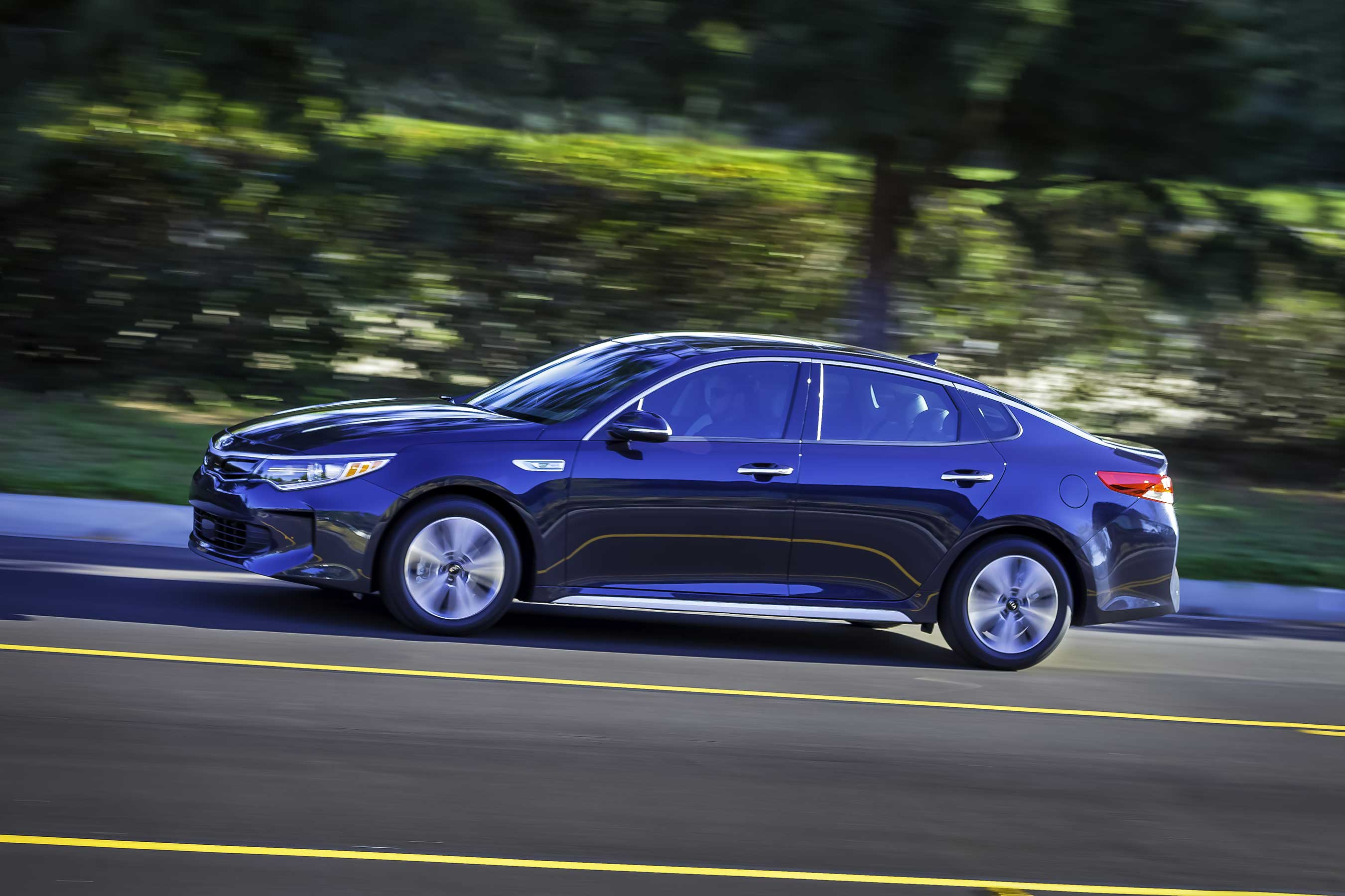 kia drive ca drives optima first autos hybrid chase
