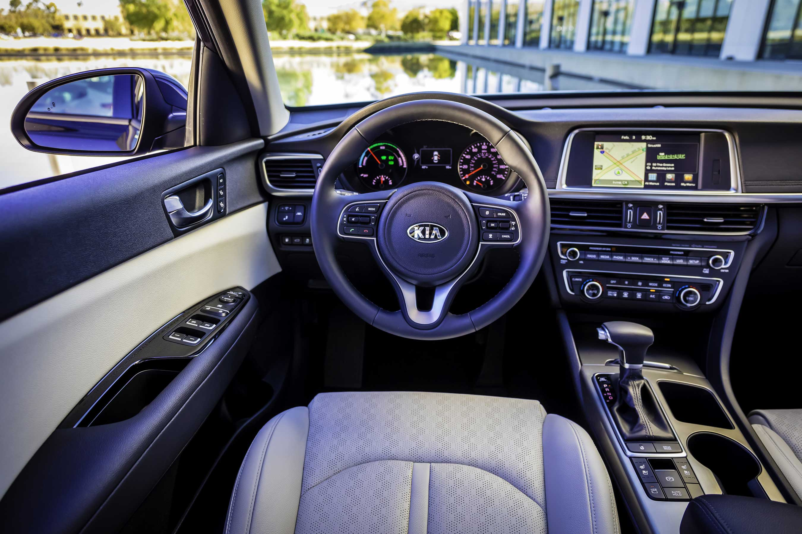 The all-new 2017 Optima Hybrid makes intelligent use of technology to deliver a host of comprehensive driver assistance systems and convenience features.