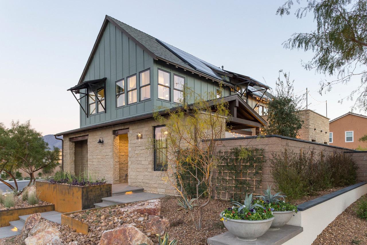 The Responsive Home: Contemporary Farmhouse