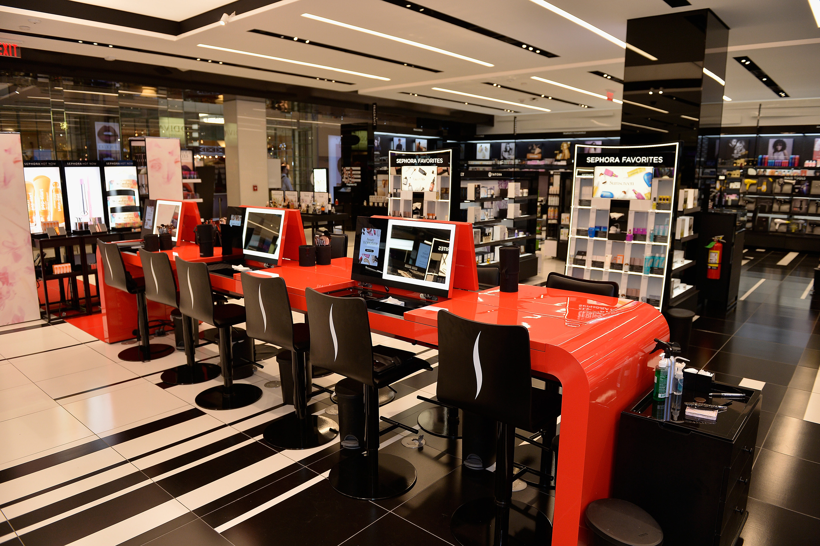 Sephora Opens Its 400th Store And Brings Its Teach, Inspire And Play Approach To Chicago's Michigan Avenue
