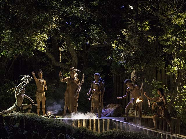 The drama features epic fight scenes and depicts the tension among the native Indians of Roanoke Island and the colonists looking for a better life.
