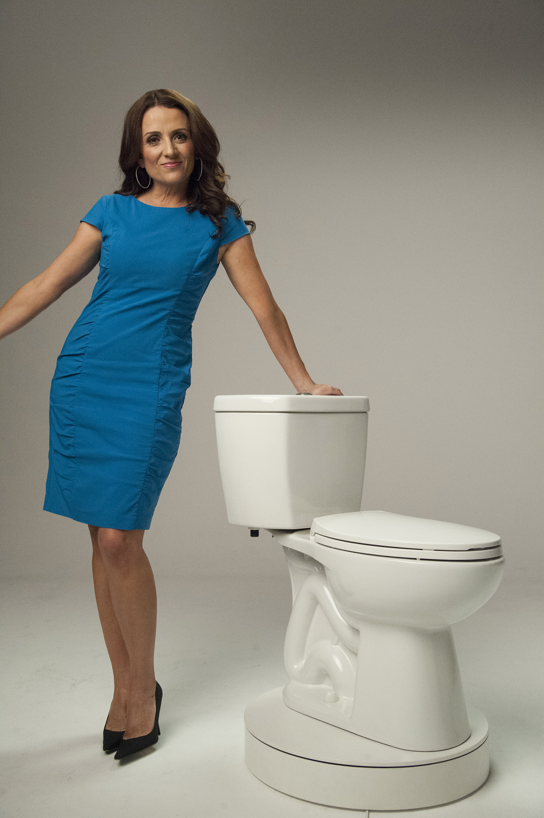 """Bravo's Jenni Pulos of """"Flipping Out"""" is partnering with Niagara Conservation Corp. to get people saving water and money with every flush for the #WhatTheFlush water-conservation campaign."""