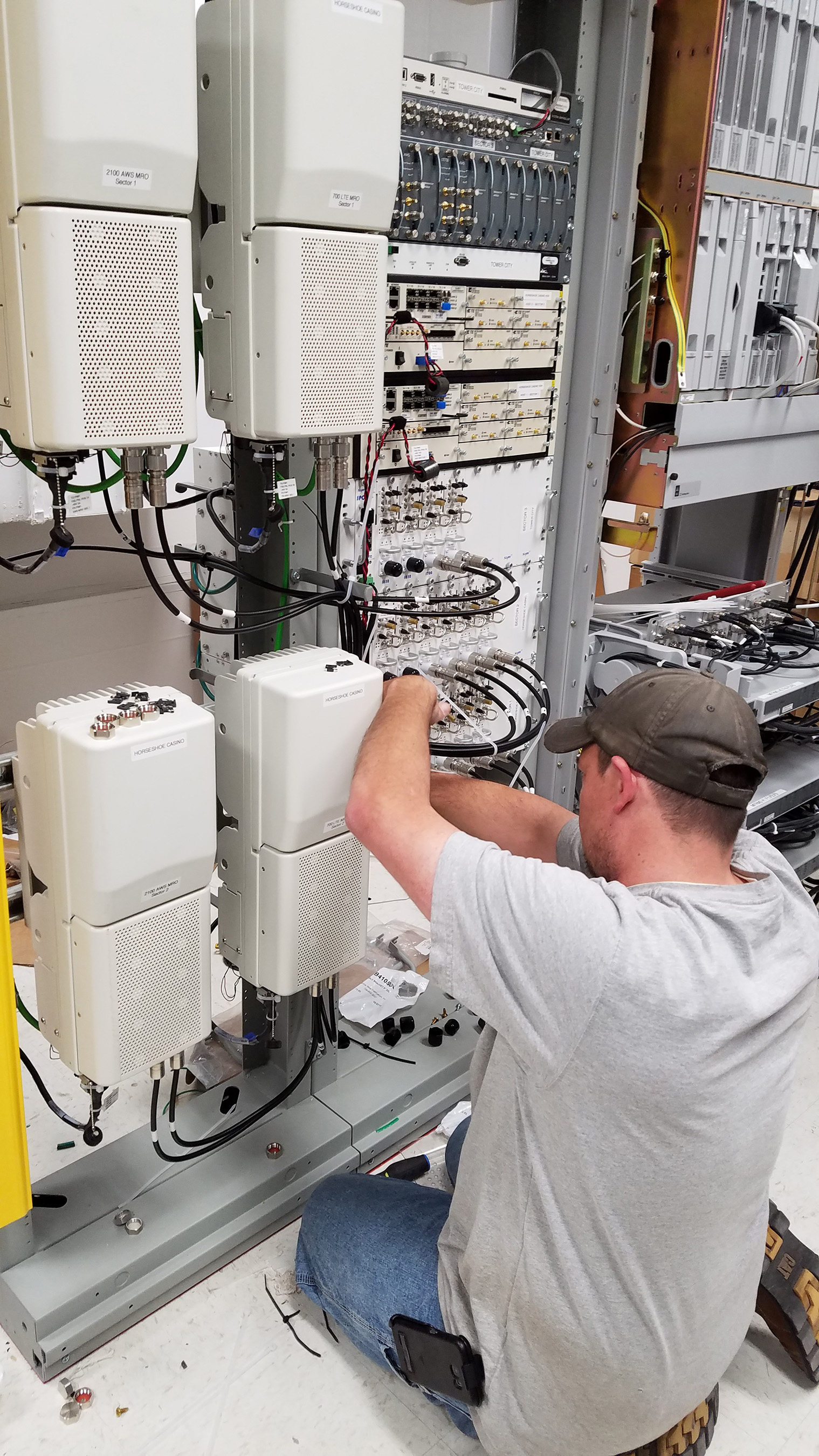 Verizon engineer works to add capacity to Verizon's network in Cleveland