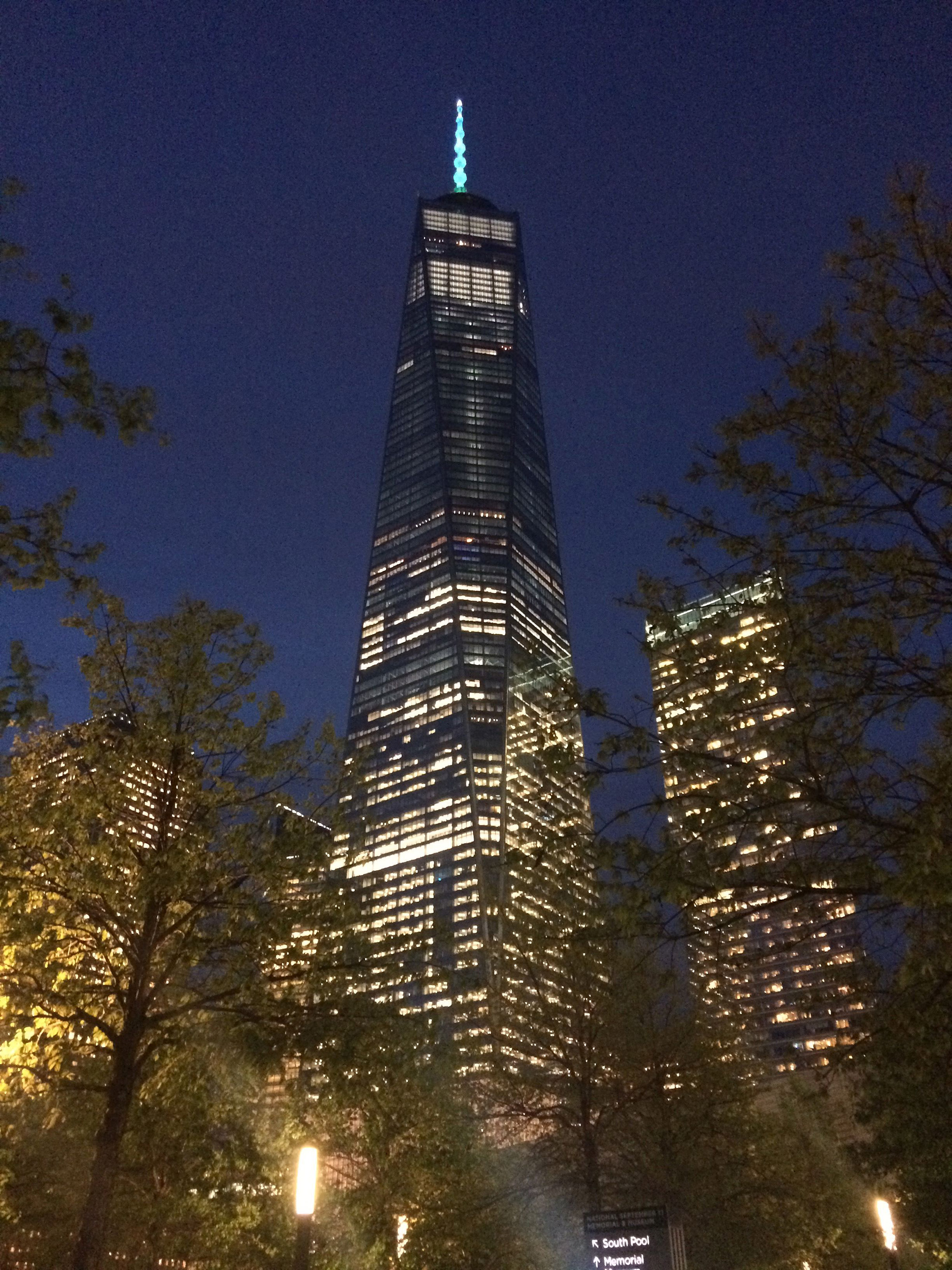 One World Trade Center in New York, NY shines turquoise in support of the American Lung Association's LUNG FORCE initiative.