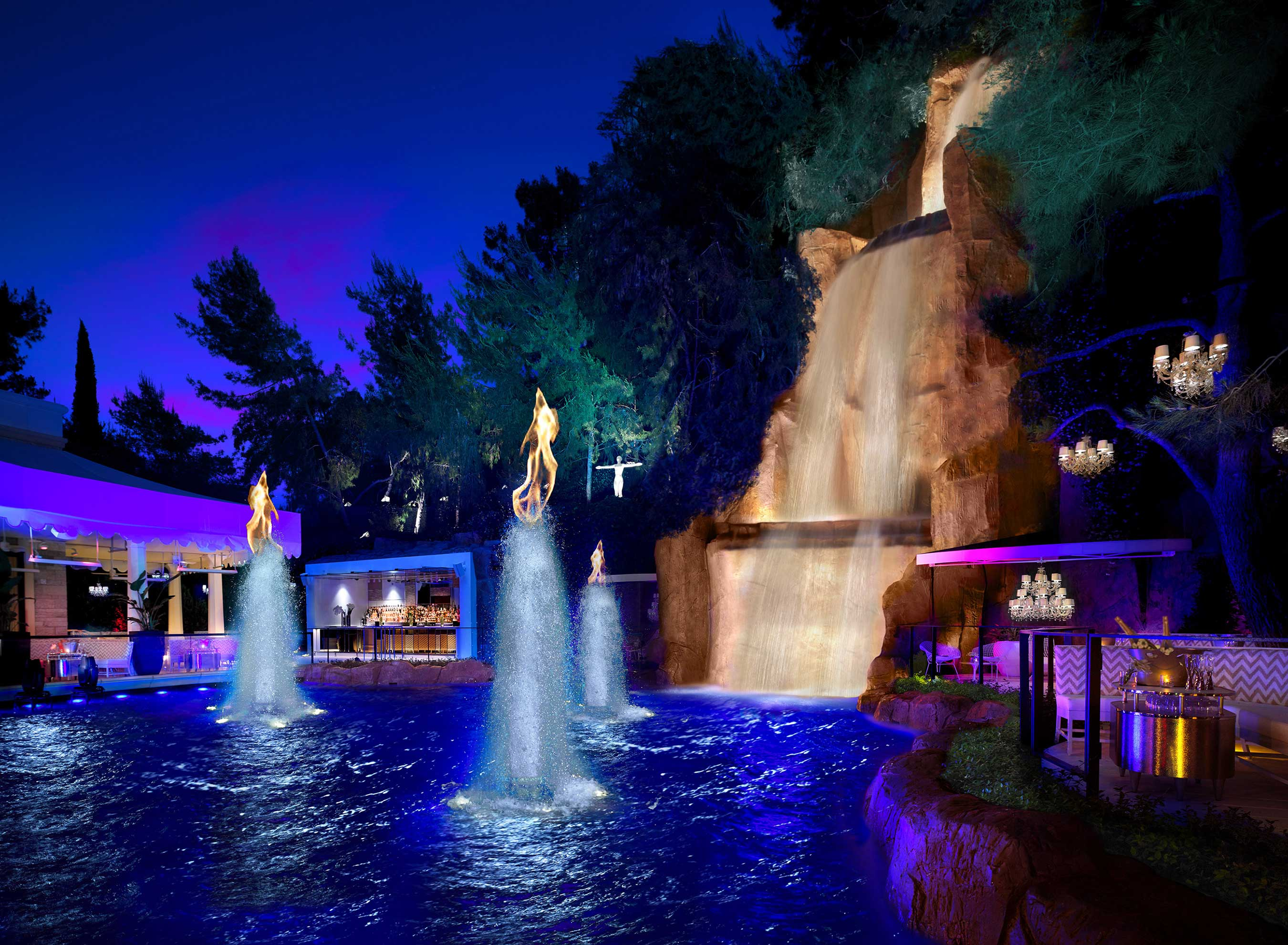 94-foot waterfall, fountain and pyrotechnics show at Intrigue Nightclub in Wynn Las Vegas (photo credit: Barbara Kraft)