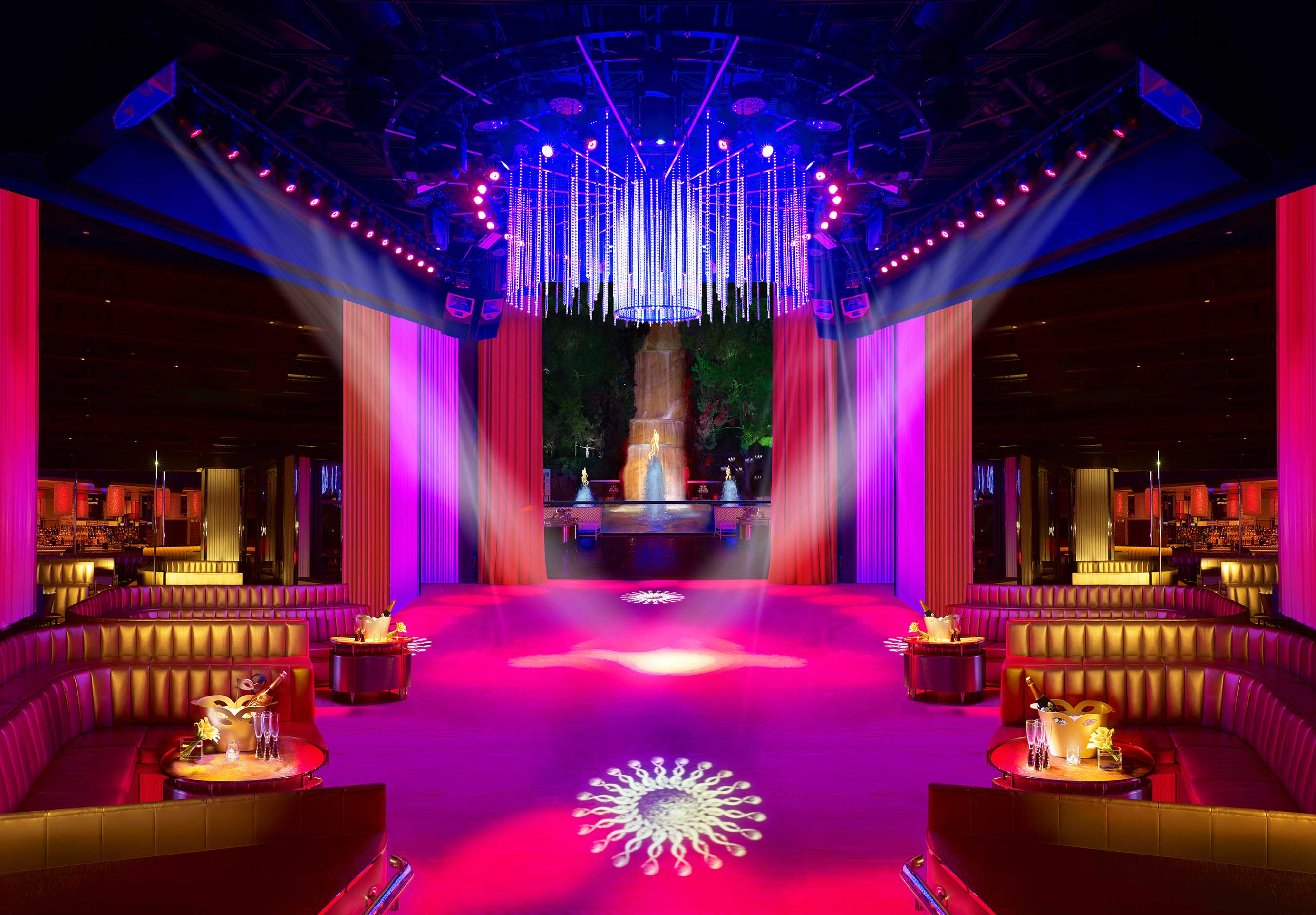 Main room interior at Intrigue Nightclub in Wynn Las Vegas (photo credit: Barbara Kraft)