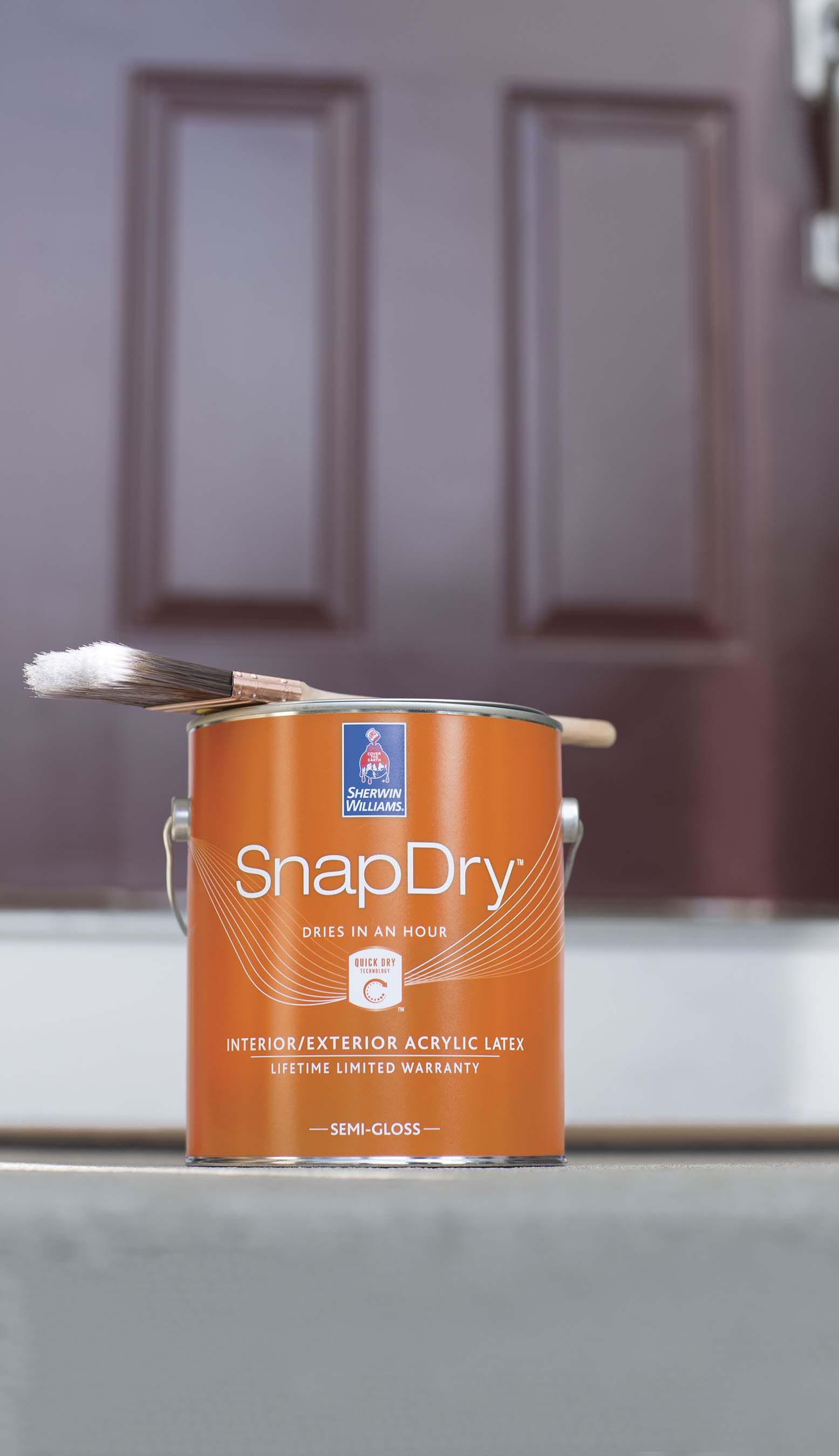 Sherwin-Williams SnapDry™ is a new door and trim paint that dries in just one hour, perfect for quick and colorful projects.