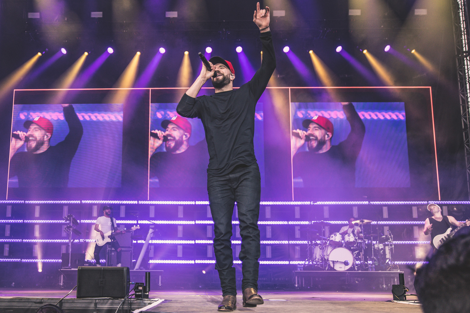 Sam Hunt headlined Sunday night in front of a sold-out crowd at 6th Annual Taste of Country Music Festival. Photo credit: Patrick Tewey/Taste of Country Music Festival
