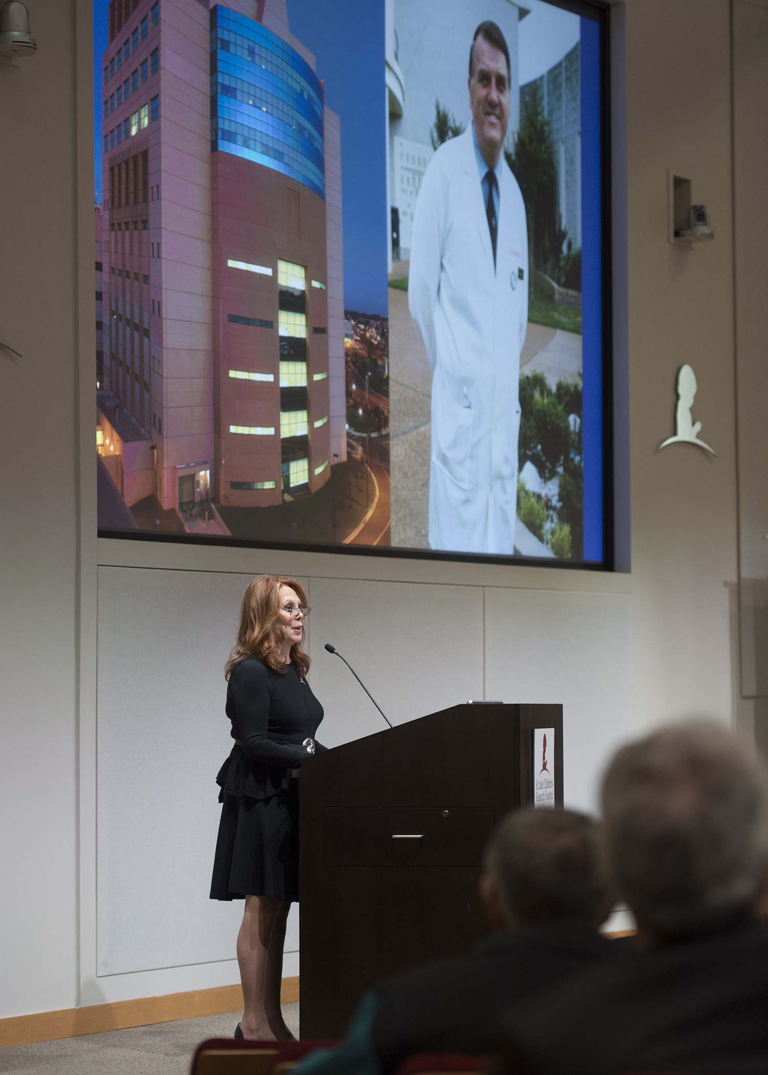 Marlo Thomas, daughter of St. Jude founder Danny Thomas, dedicates building to Dr. Pinkel.