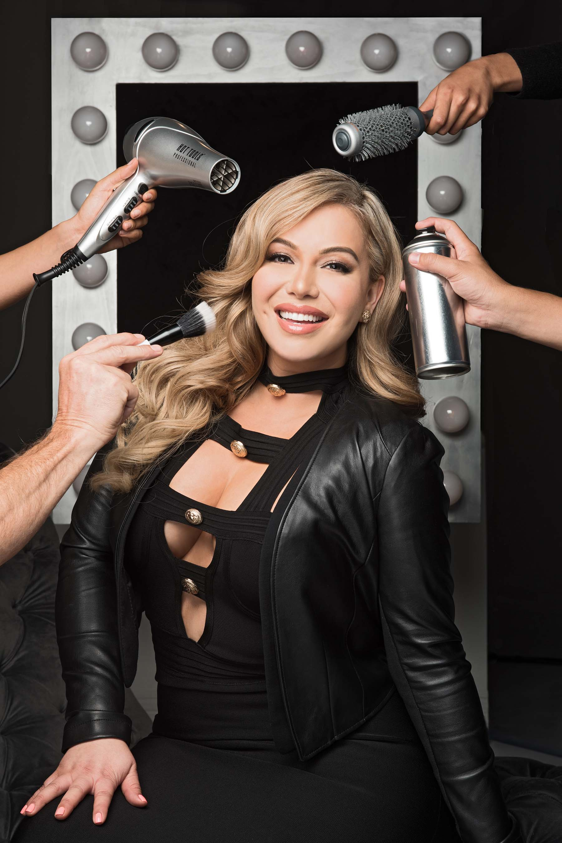 Chiquis solo pic