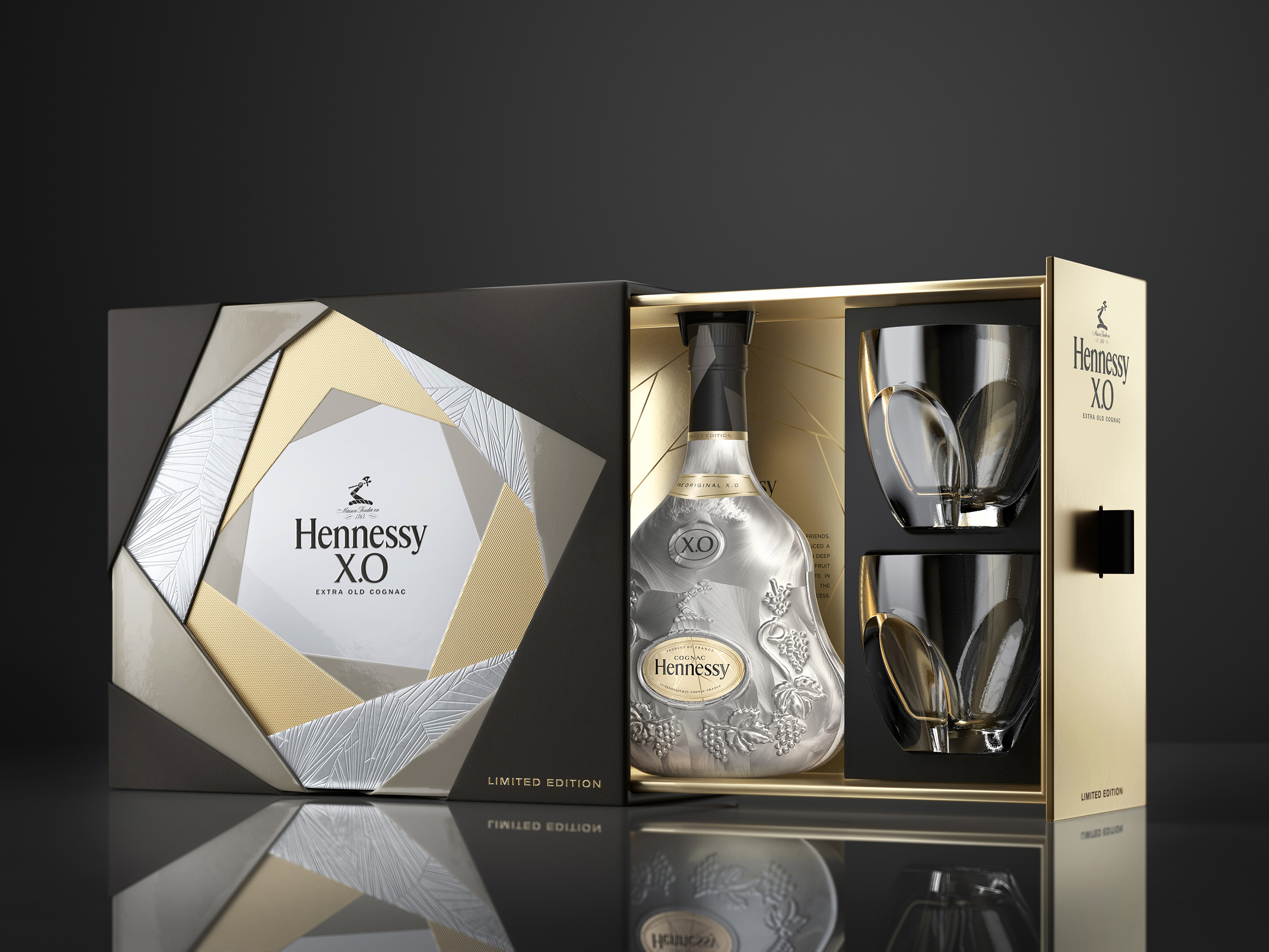 The Hennessy X.O Gift Pack comes with one bottle and two glasses.