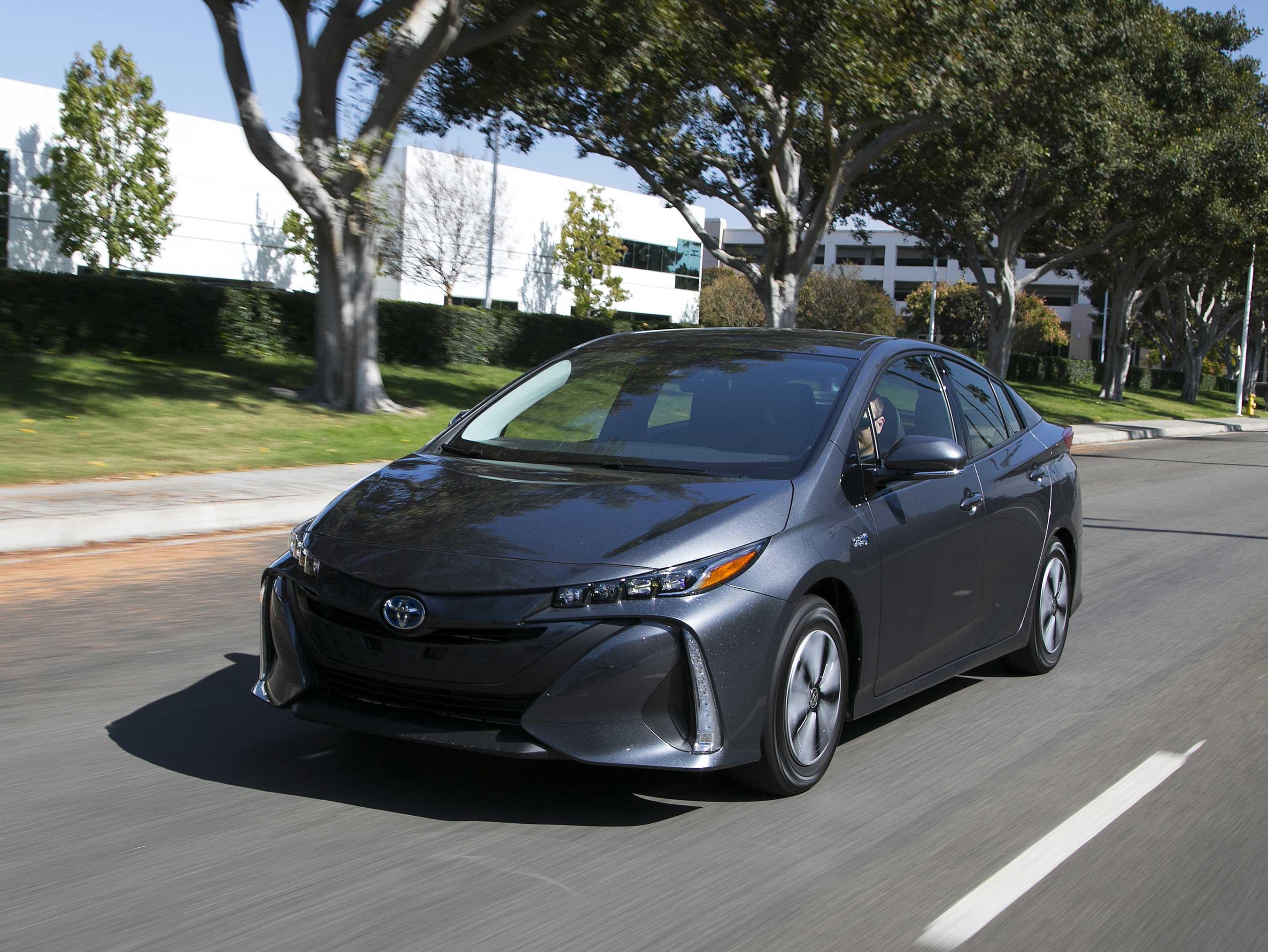 2017 Best Buy: Toyota Prius Prime