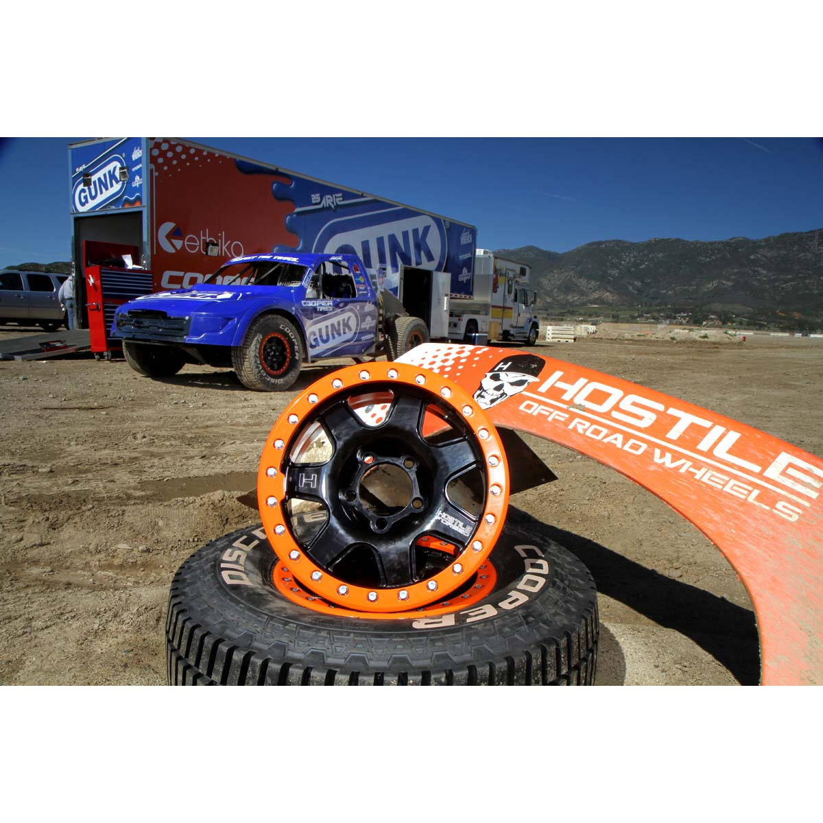 Hostile's specially-designed 17x9 wheels, uniquely match Arie Luyendyk Jr.'s 2016 TORC PRO 2 entry, with a forged, bead-lock design that is stronger and lighter than standard wheels.