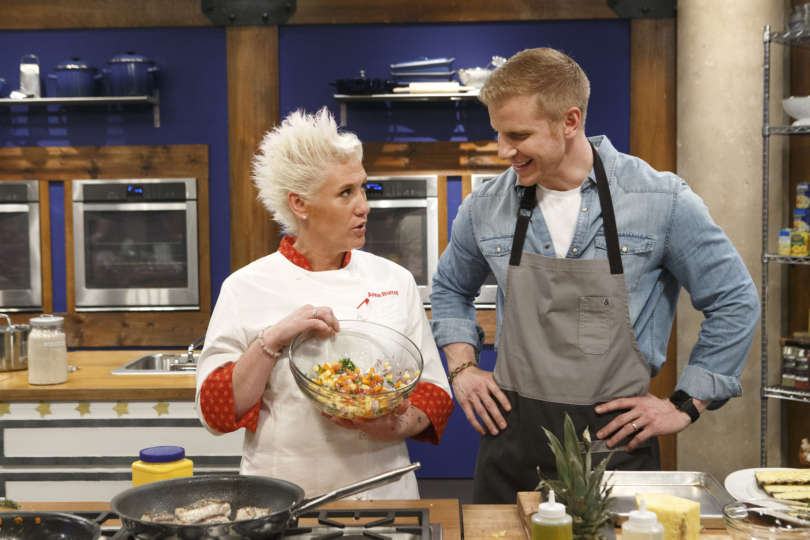 Watch Worst Cooks in America Episodes on Food Network ...