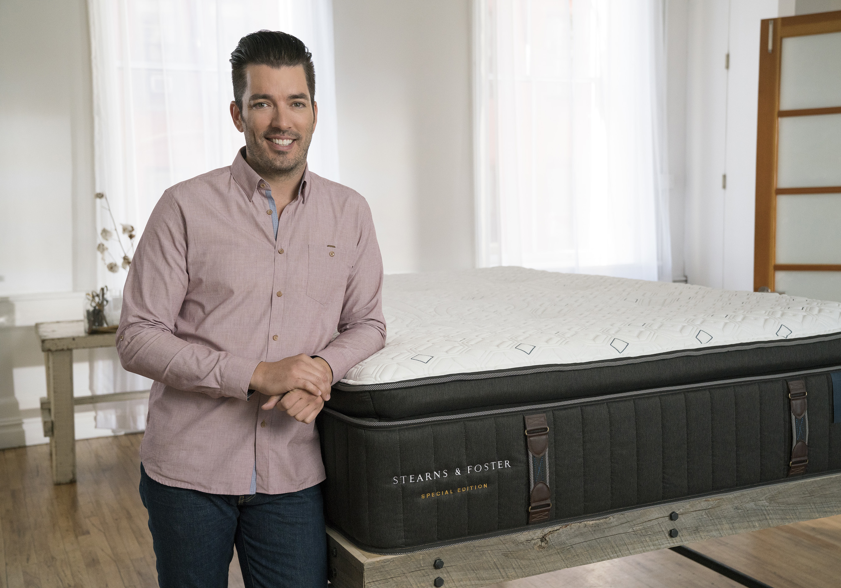 Jonathan Scott designed his own Special Edition mattress with help from Stearns & Foster® and master craftsman Joe Kavanaugh. Fans can enter to win Scott's Special Edition mattress beginning May 31