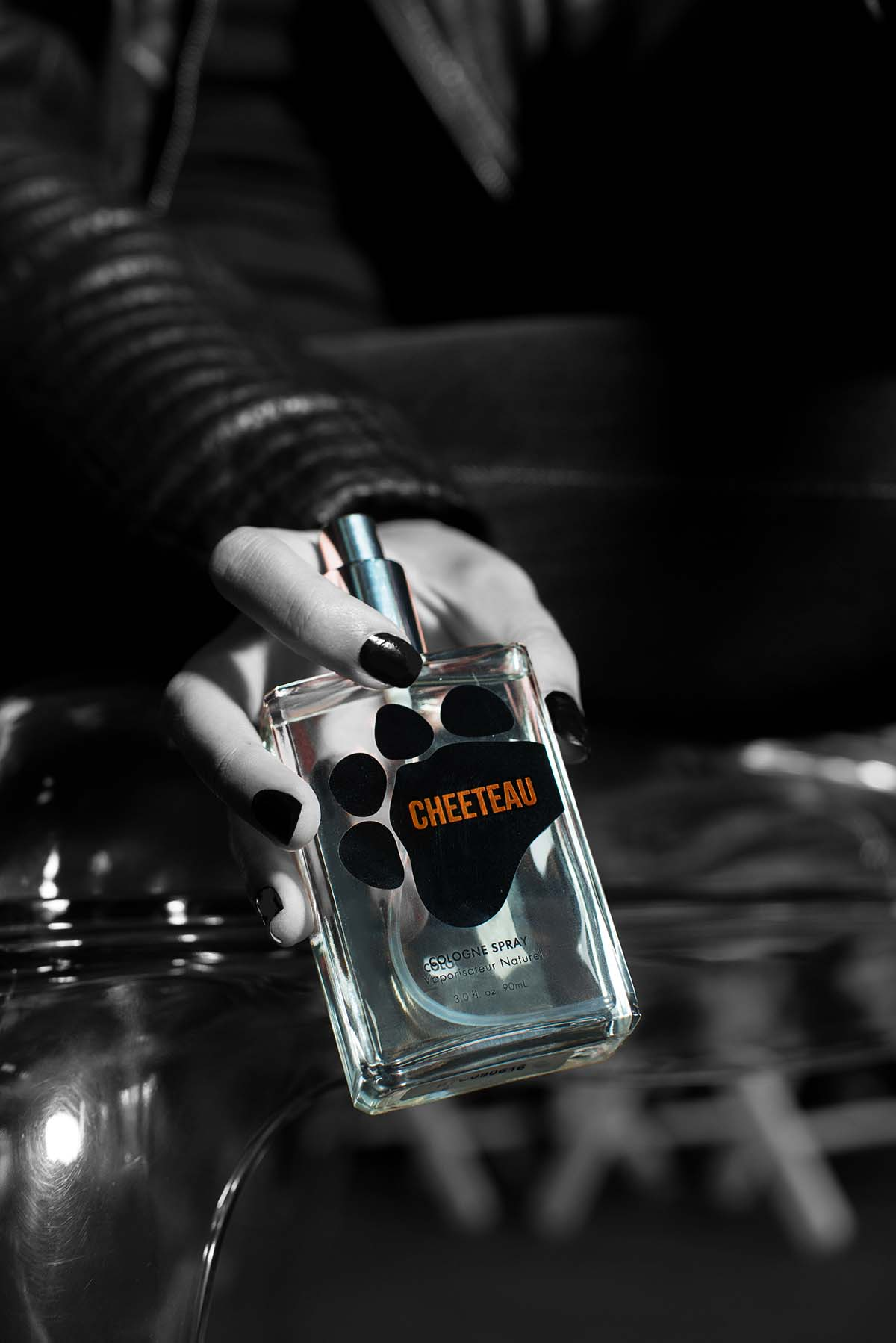 Crafted from hand-extracted cheese oils, this ravishing scent embodies the irrepressible aroma of Cheetos and lures the most remarkable admirers. Following its wildly successful limited-time launch in April 2014, Cheeteau is back for those clamoring to get their paws on the one-of-a-kind fragrance. $18.99