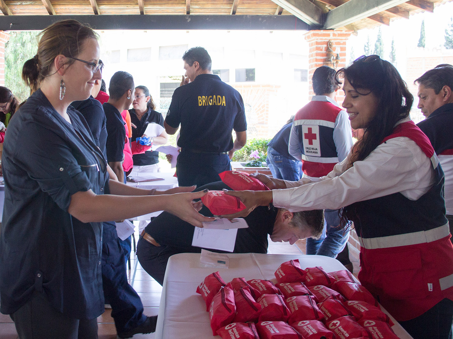 Ball employees recently joined together to build first aid kits for the Mexican Red Cross to distribute to those in need throughout the country.