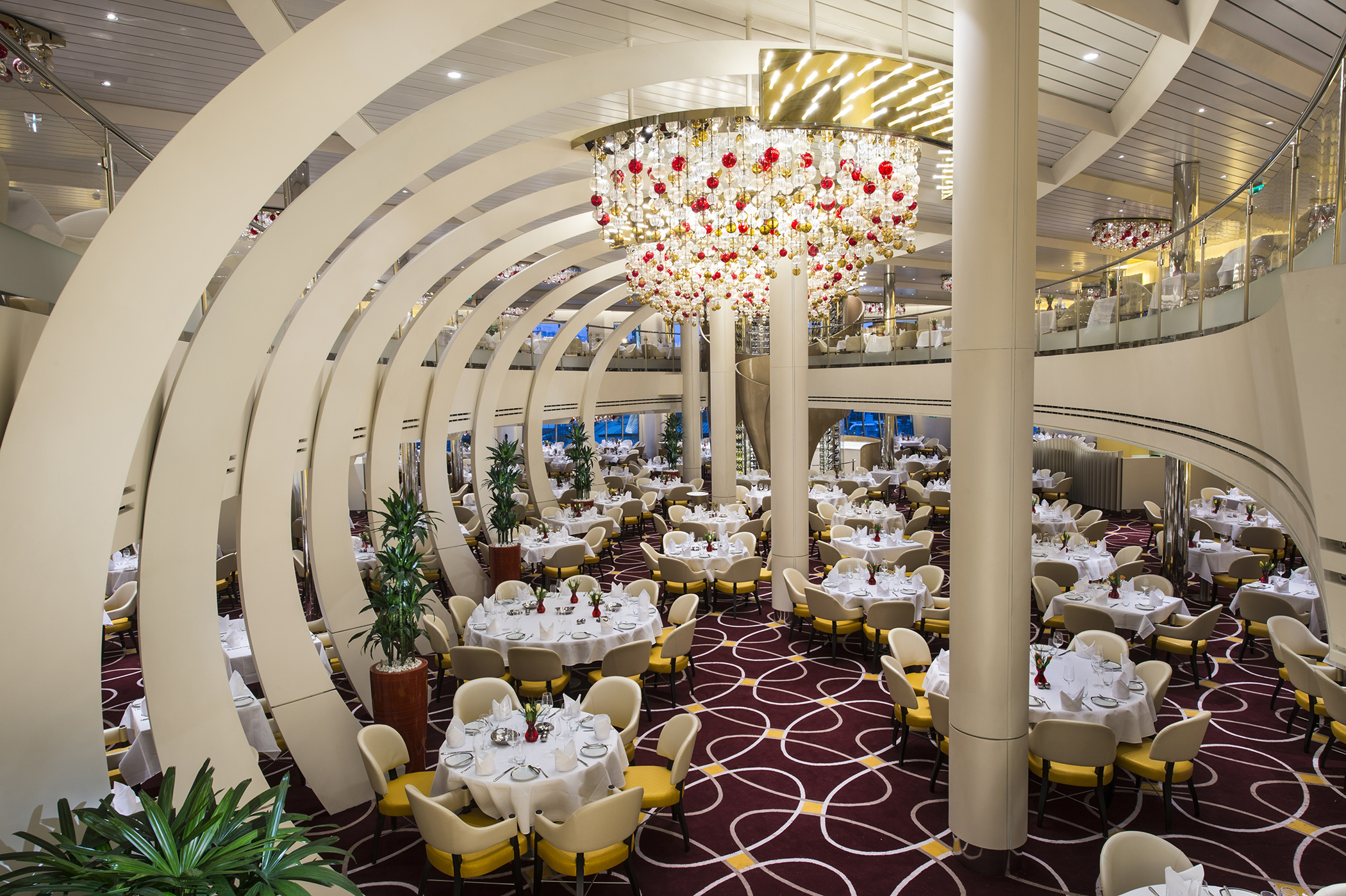 The Dining Room aboard Nieuw Statendam