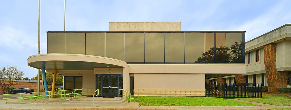 Primrose School of Preston Hollow (Texas) shows the company's flexibility. Located in Dallas, the school was created by converting a former bank branch.