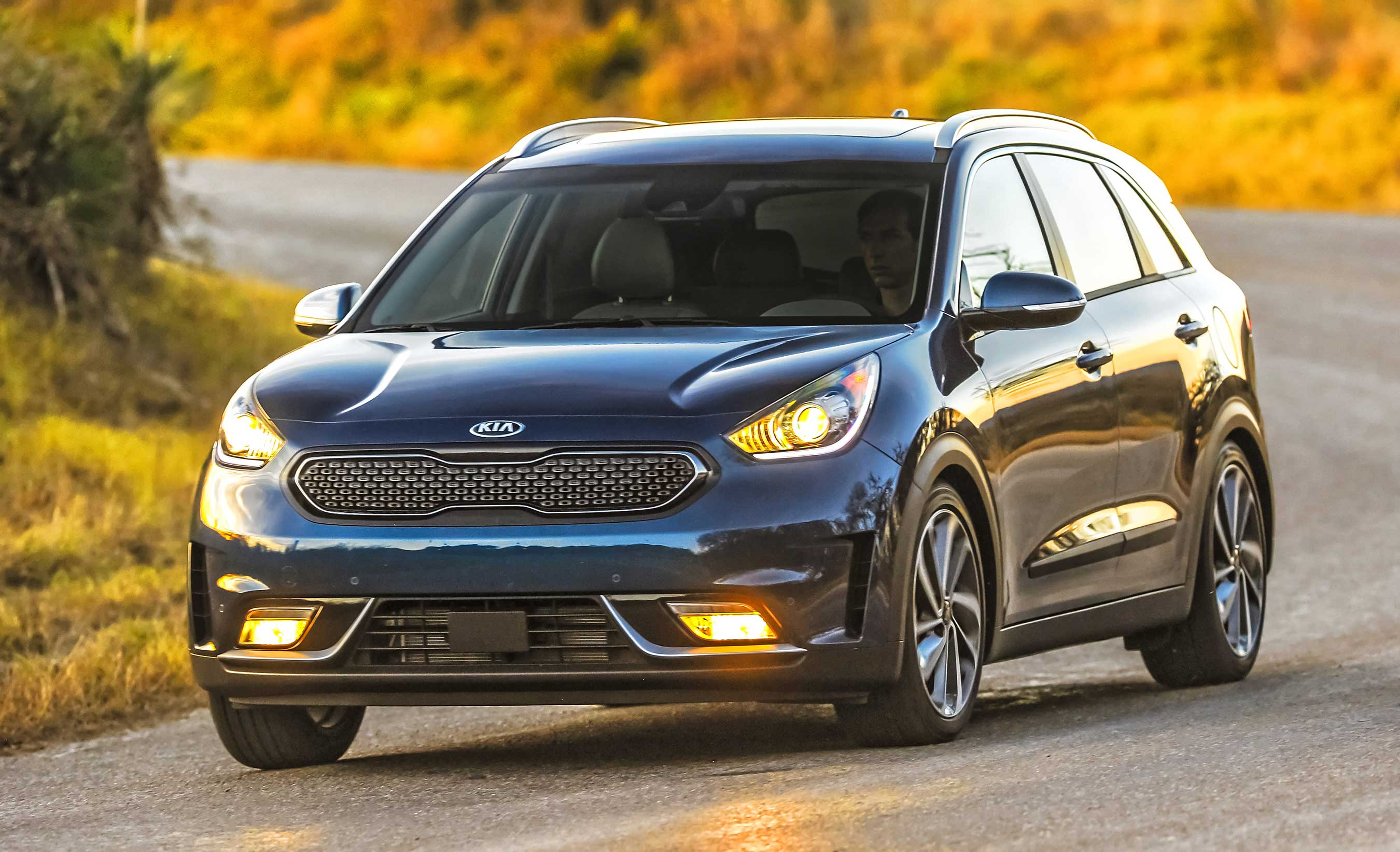 Kia Niro claims the J.D. Power Initial Quality Study (IQS) award in the Small SUV segment in the hybrid-crossovers first model year.