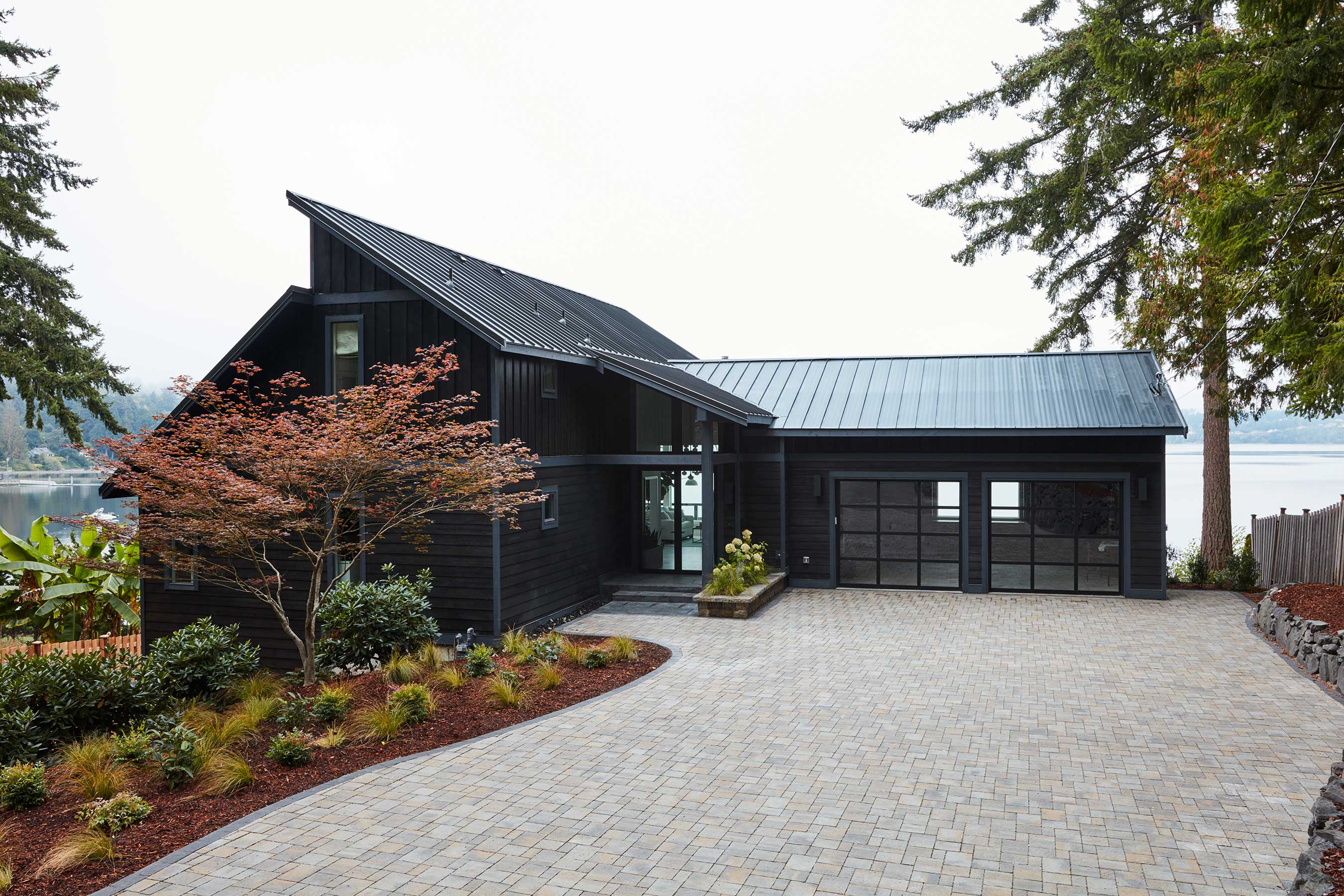 HGTV Dream Home 2018 is a modern and welcoming waterfront escape set in Gig Harbor, Washington, one of the most charming towns in the Pacific Northwest. The completely renovated and fully furnished 3,500-square-foot home will be given away to one lucky winner, along with a new Honda Accord and $250,000 in cash provided by national mortgage lender Quicken Loans.