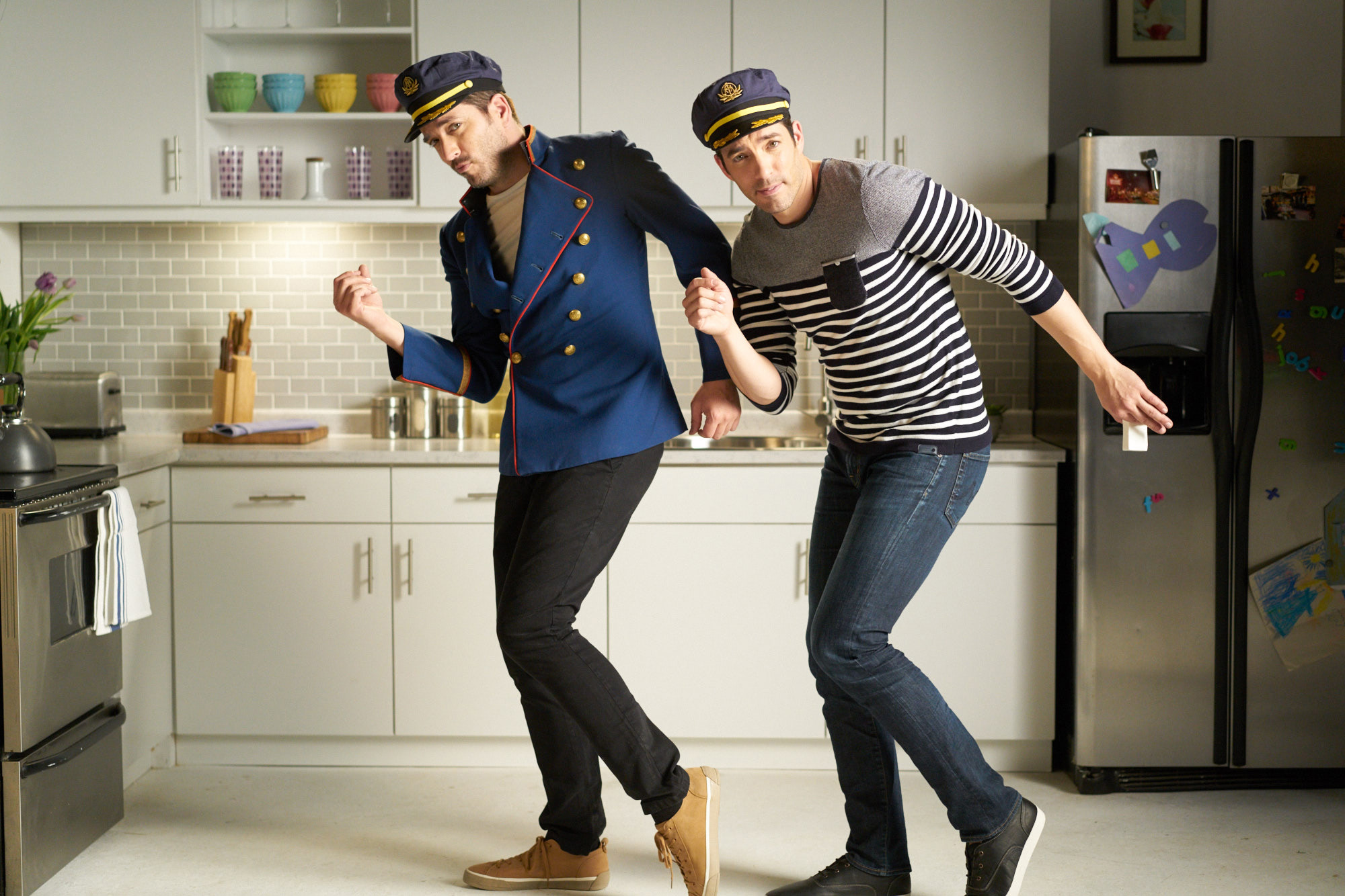 Sneak peek: The Scott Brothers unstick a drawer with soap singing yacht-rock style in music video series.