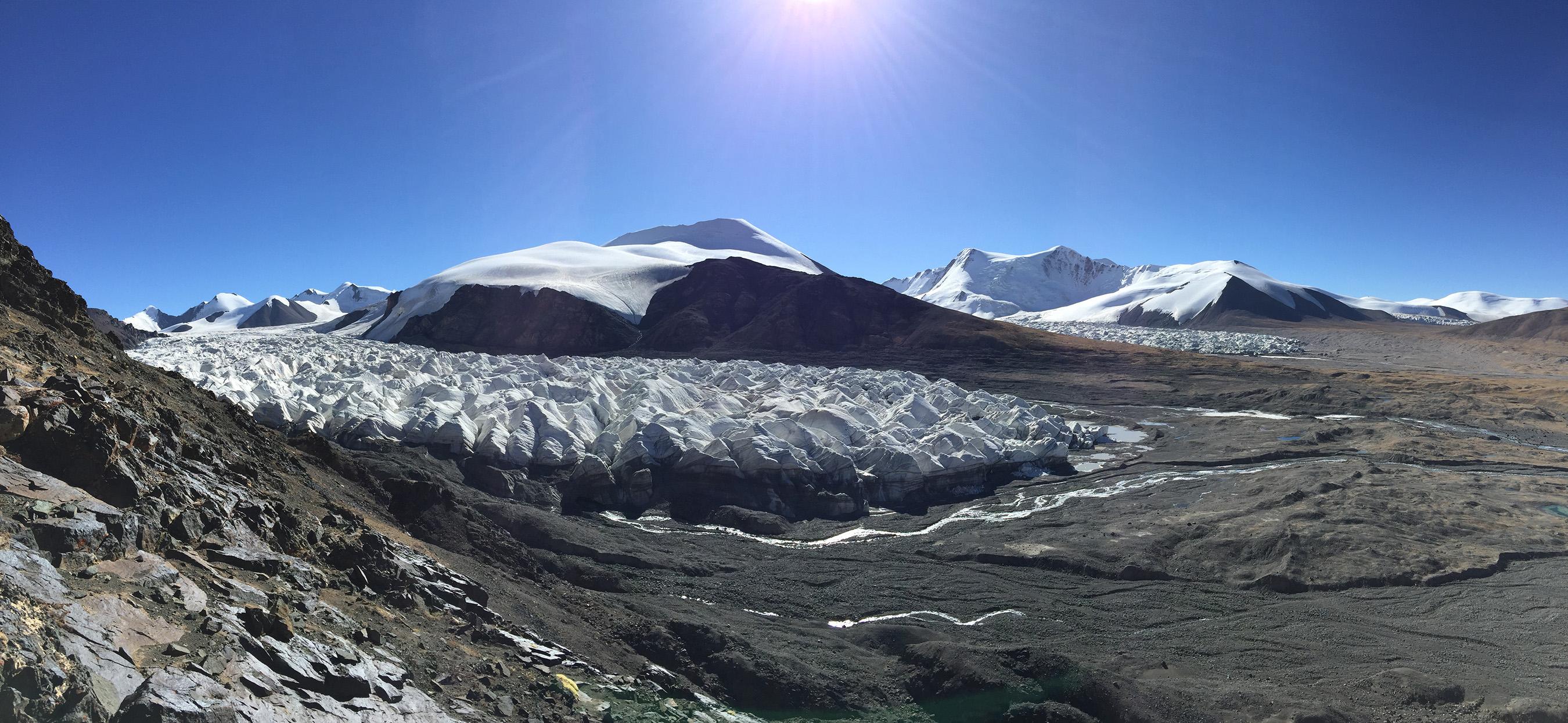 Ginger Goodey Glacier: Yangtze River Source