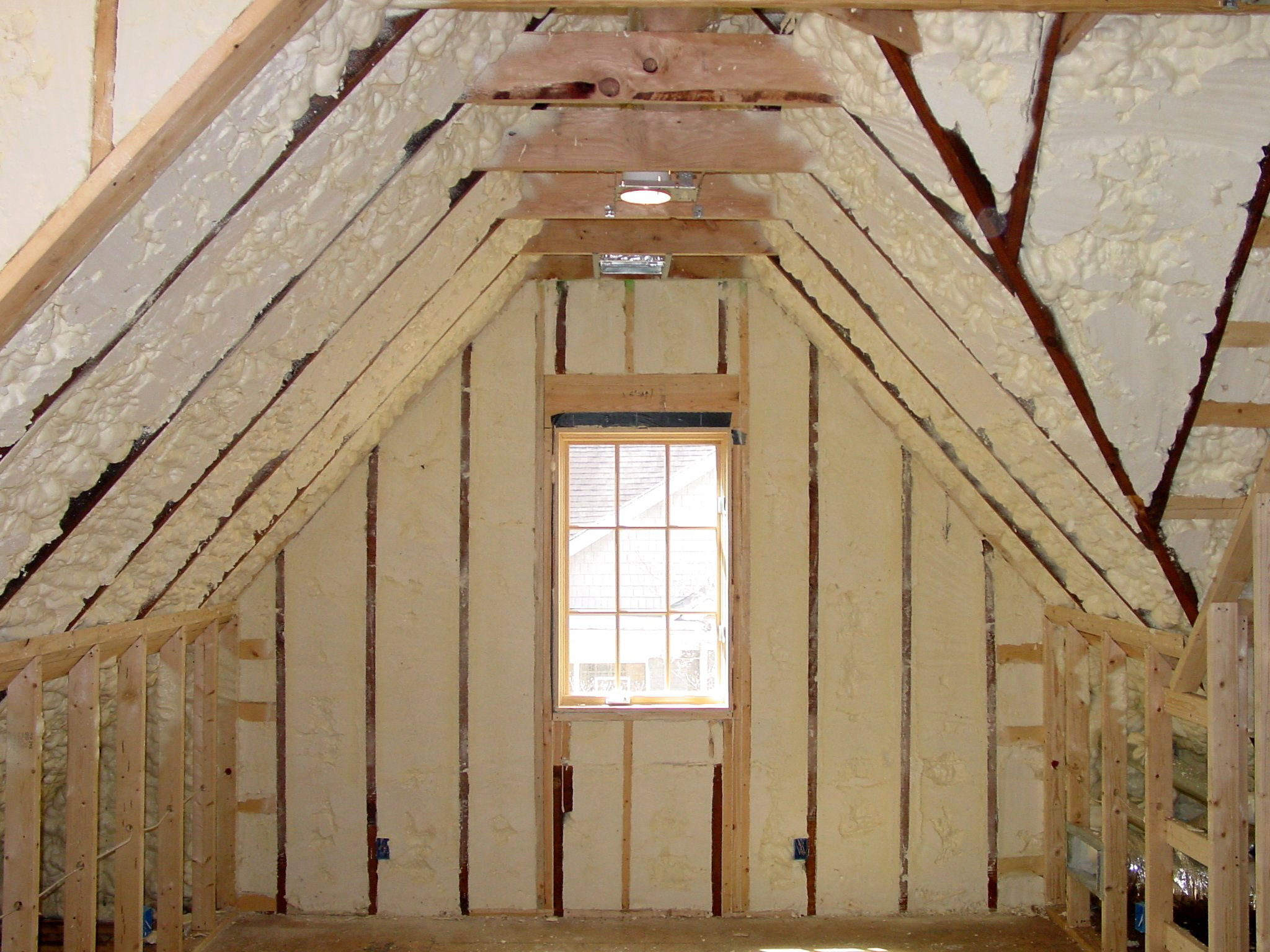Icynene Spray Foam Insulation Can Help Improve Comfort In