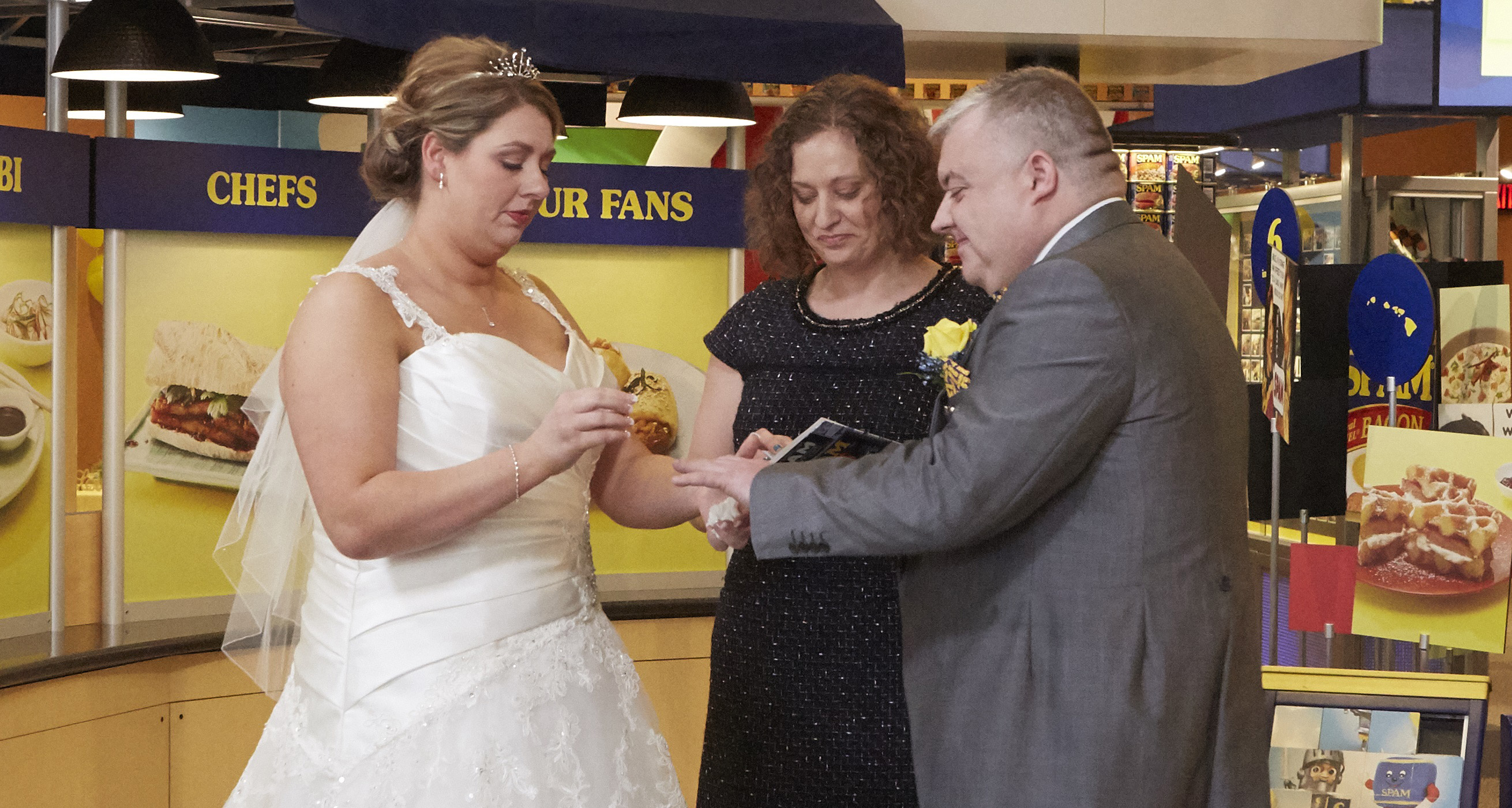 Mark I Love SPAM Benson and Anne Mousley exchanging vows at the SPAM Museum