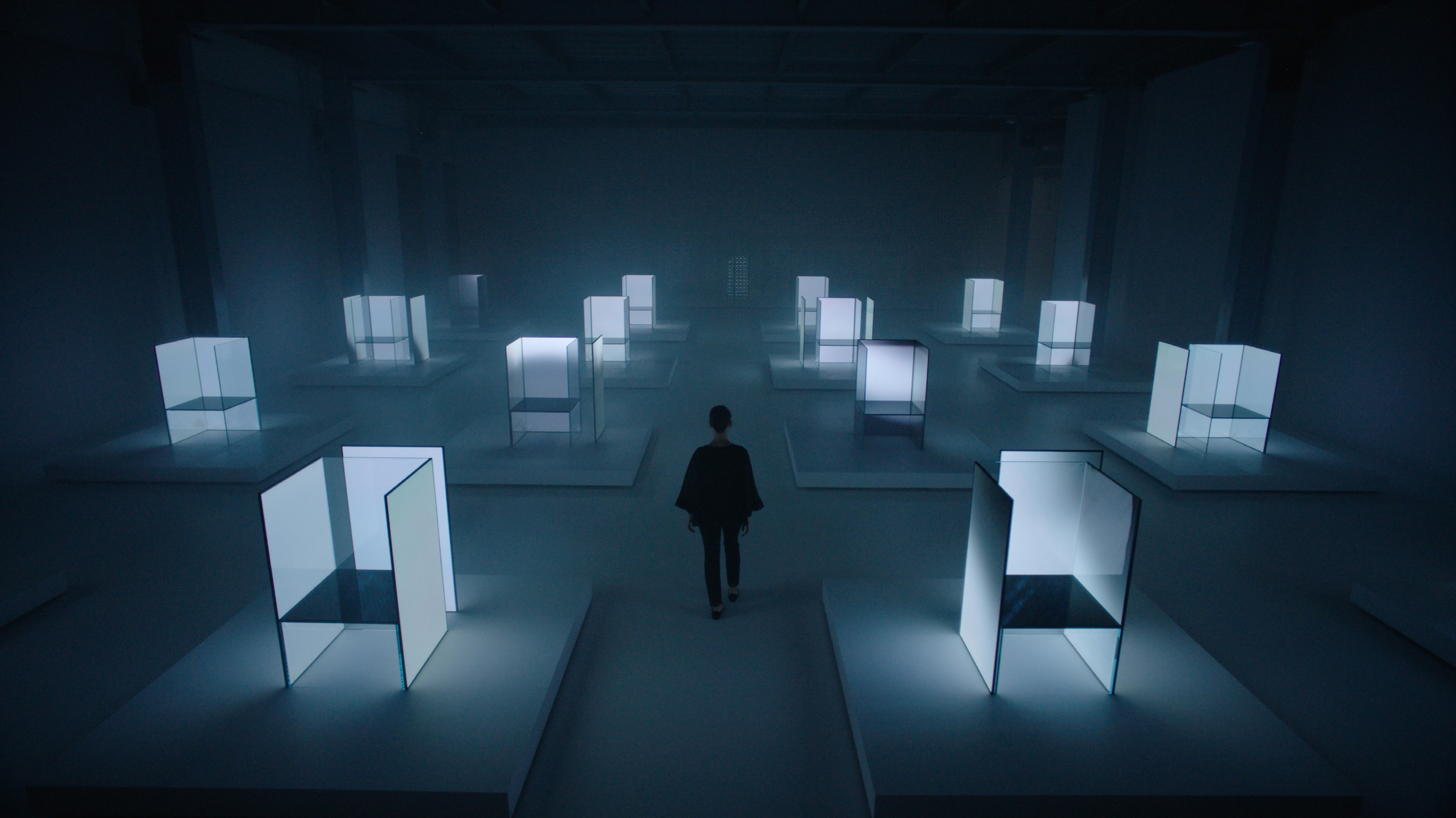 Tokujin Yoshioka and LG fashioned an innovative exhibition at Milano Design Week out of light and advanced display tech
