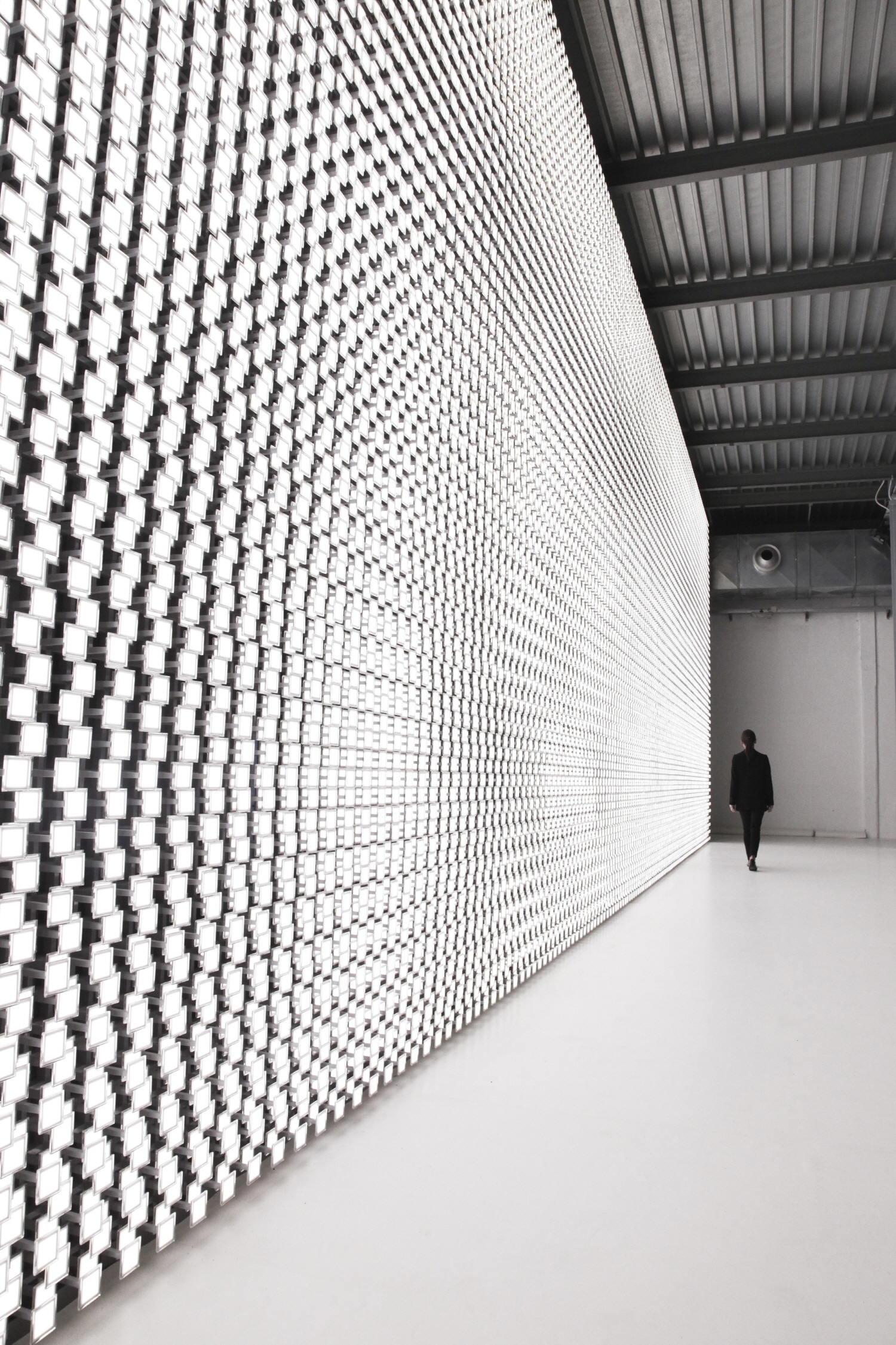 LG's design philosophy taps into human-centric technologies, and is embodied by Tokujin Yoshioka's Wall of the Sun