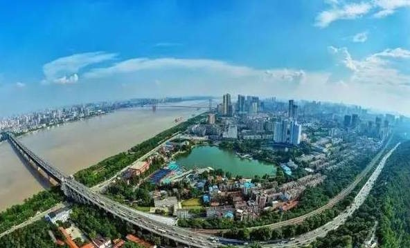 Wuhan is getting more and more international, modern and ecological.
