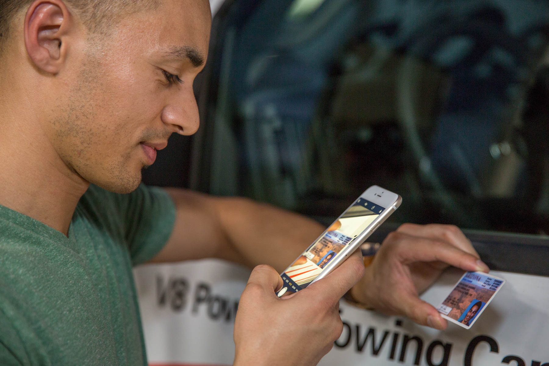 You don't have to be a professional photographer to use U-Haul Trucks Share 24/7. If you can snap a clear picture of your driver's license and take a decent selfie on site, you earn a passing grade.