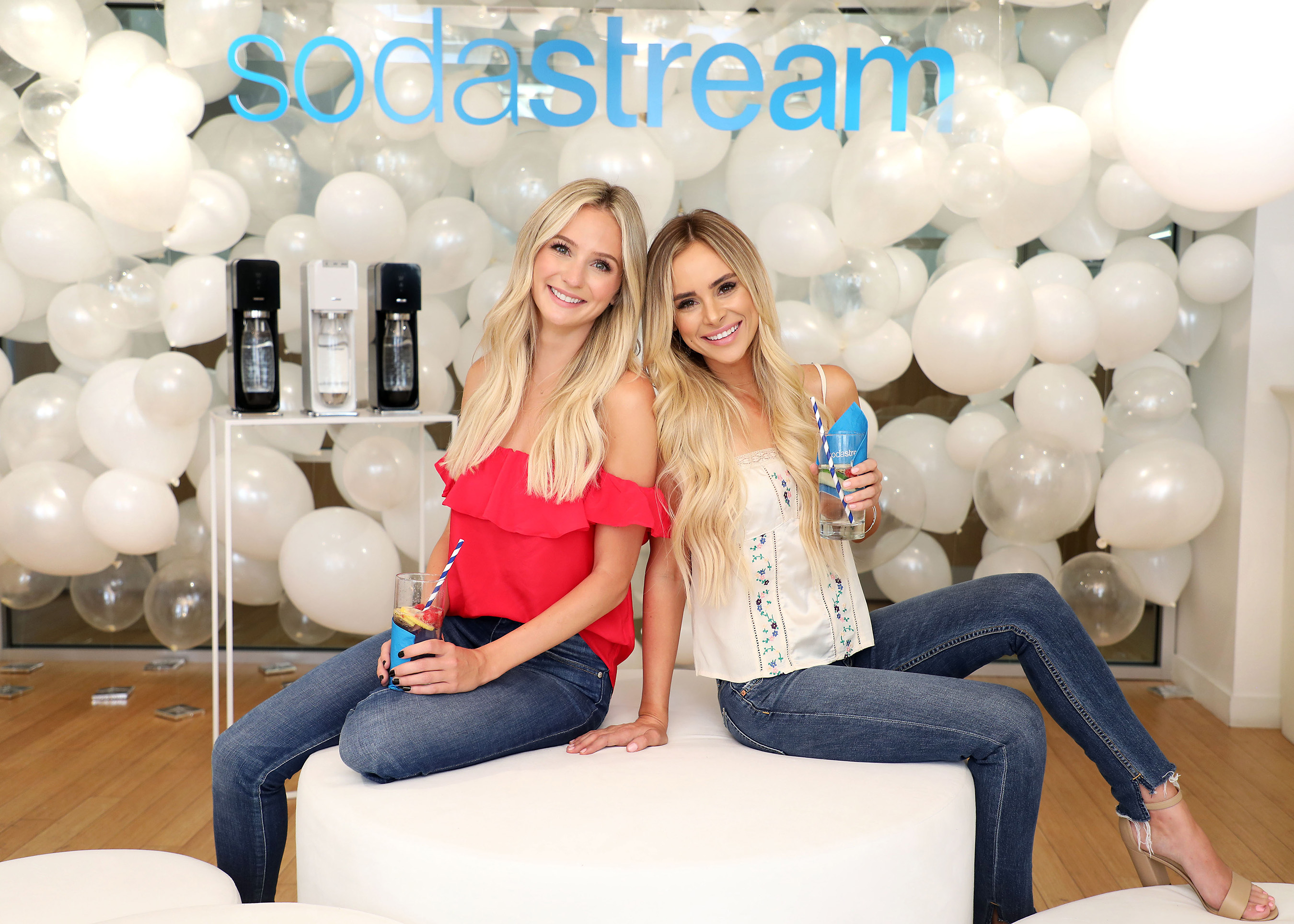 Bachelor stars Amanda and Lauren celebrate hydration with SodaStream